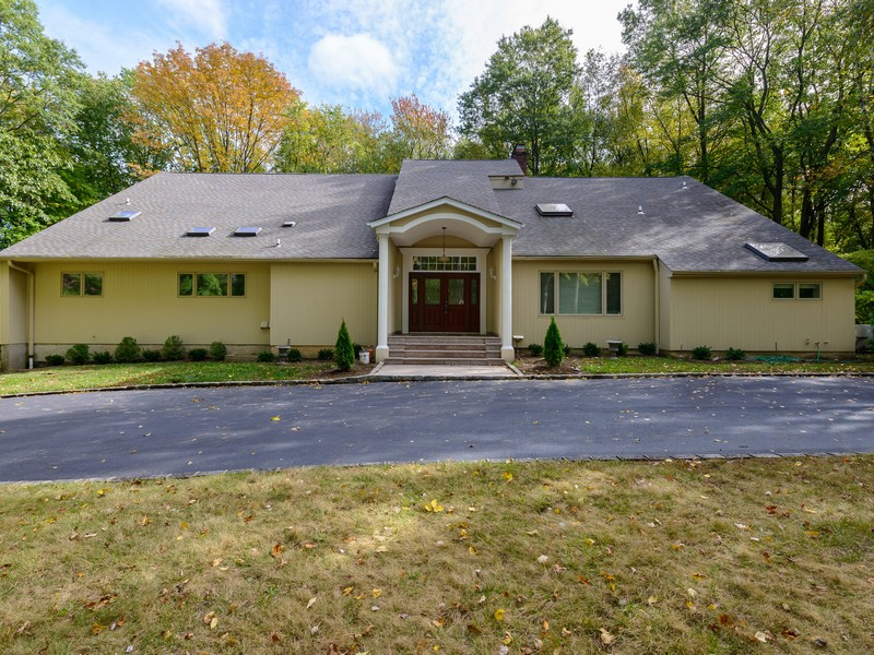 一戸建て のために 売買 アット Colonial 16 Woodfield Ln Old Brookville, ニューヨーク 11545 アメリカ合衆国