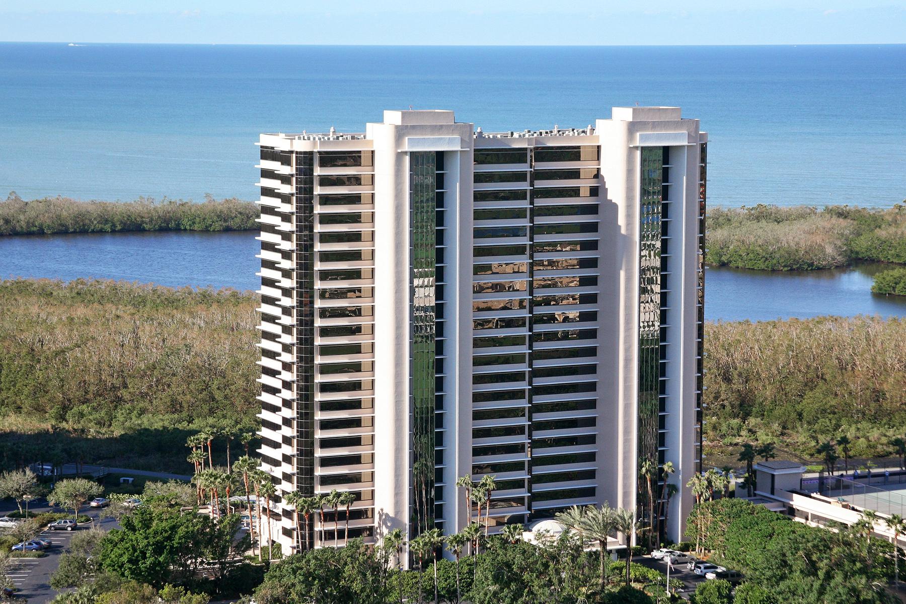 콘도미니엄 용 매매 에 PELICAN BAY - ST. PIERRE 6825 Grenadier Blvd Unit 804 Naples, 플로리다, 34108 미국