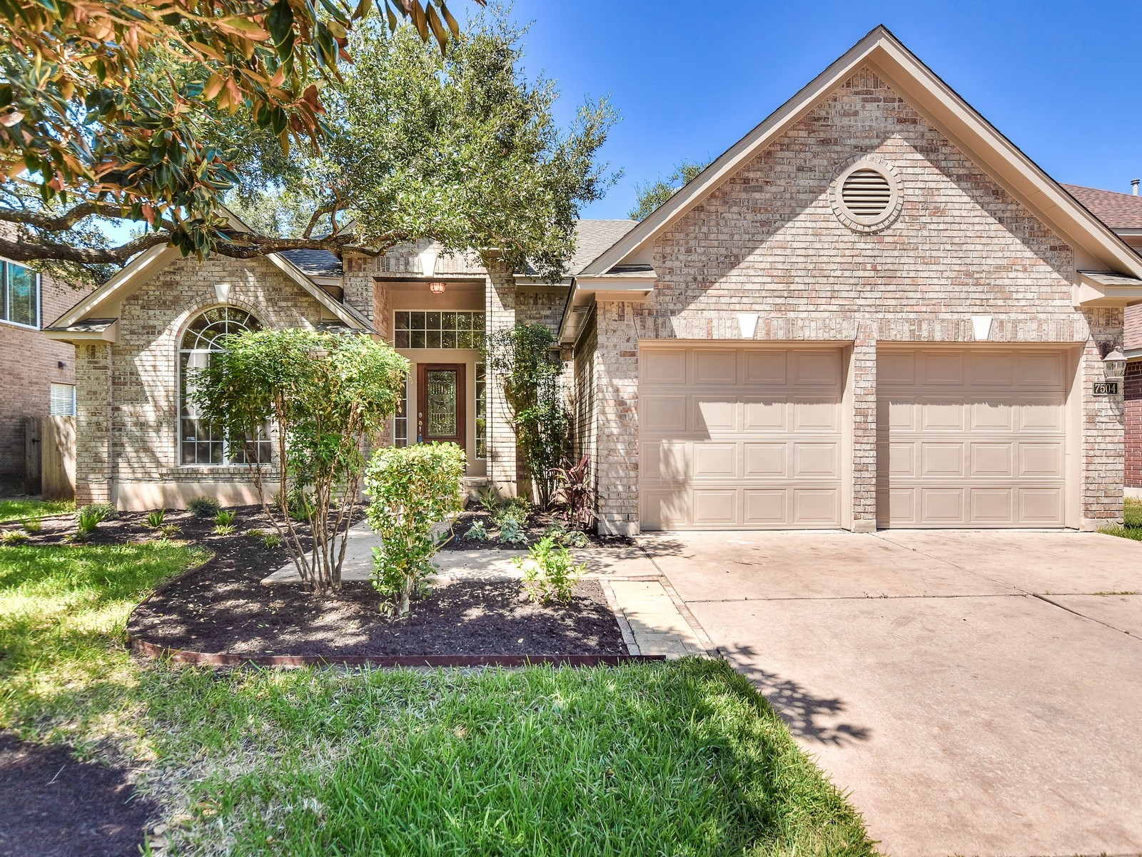 Single Family Home for Sale at Updated One Story in Legend Oaks 7504 Mifflin Kenedy Terr Austin, Texas 78749 United States