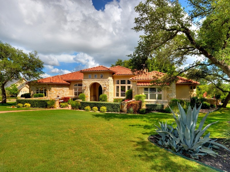 Single Family Home for Sale at Private Single Story Estate 7901 Lynchburg Dr Austin, Texas 78738 United States
