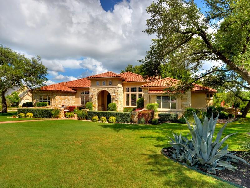 Nhà ở một gia đình vì Bán tại Private Single Story Estate 7901 Lynchburg Dr Austin, Texas 78738 Hoa Kỳ