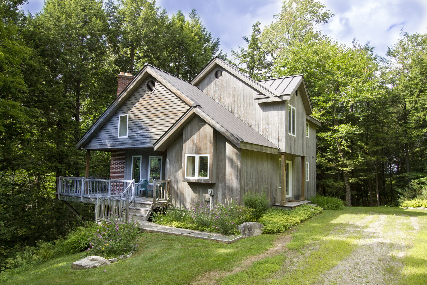 Single Family Home for Sale at Turn-key Mountain Ge 27 Todd Hill Rd Winhall, Vermont, 05340 United States