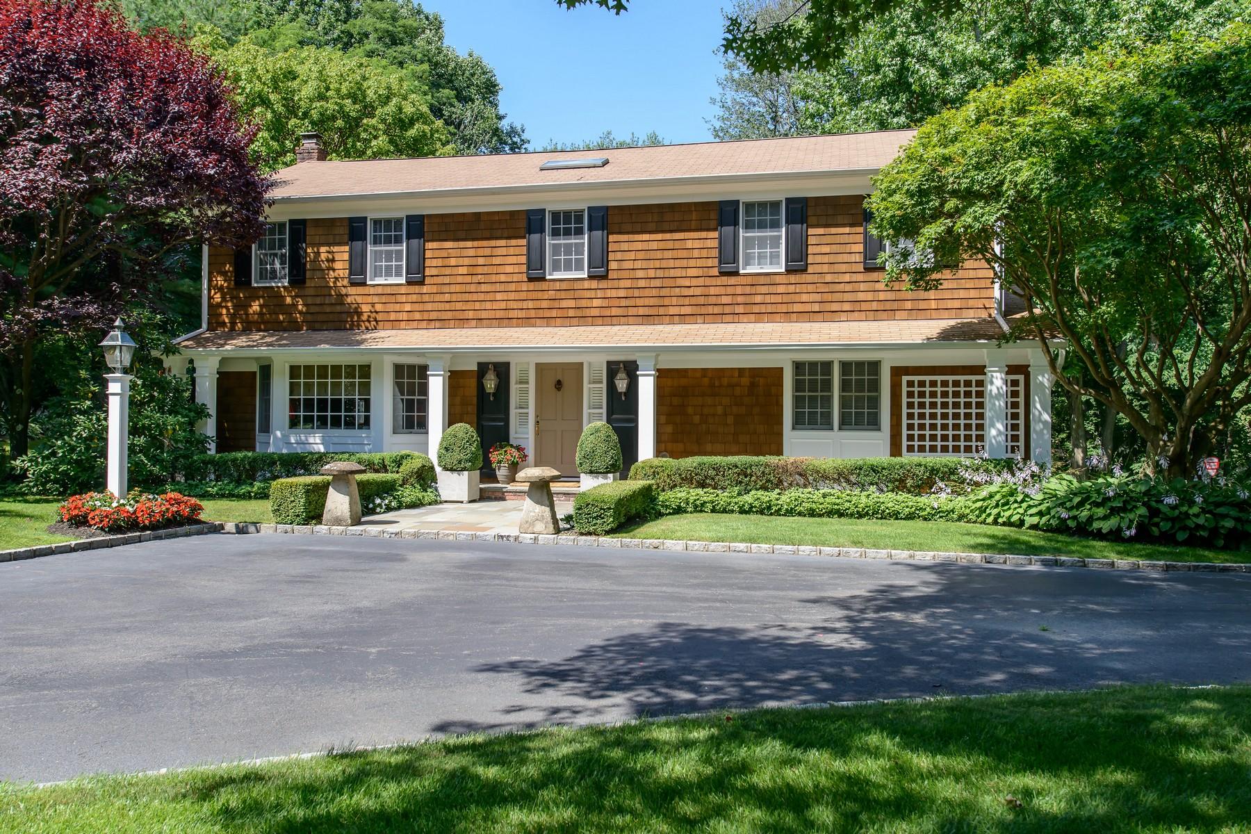 Casa para uma família para Venda às Colonial Lattingtown, Nova York 11560 Estados Unidos