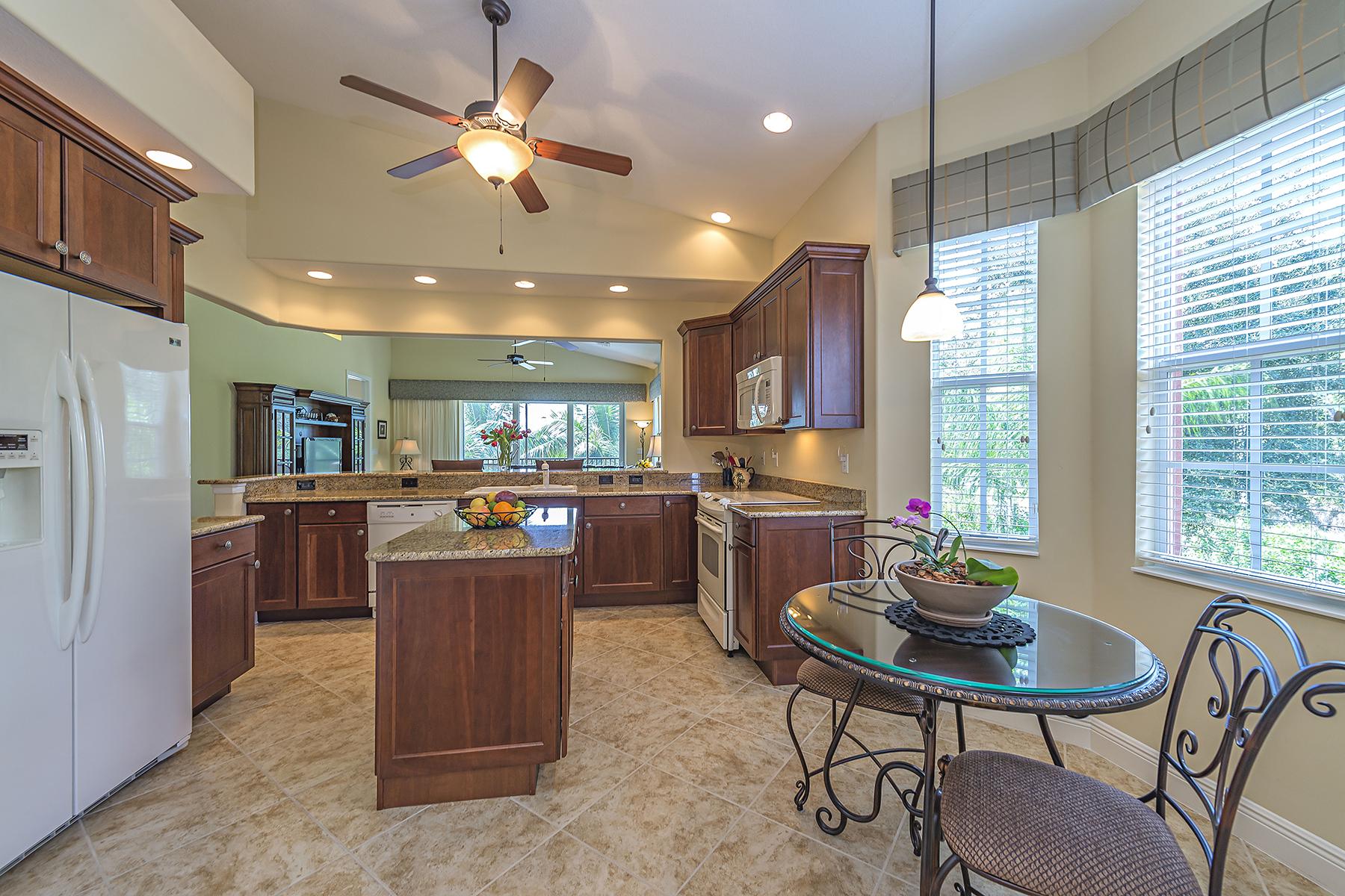 共管式独立产权公寓 为 销售 在 LEGACY - LELY RESORT 6410 Legacy Cir 1004 那不勒斯, 佛罗里达州, 34113 美国