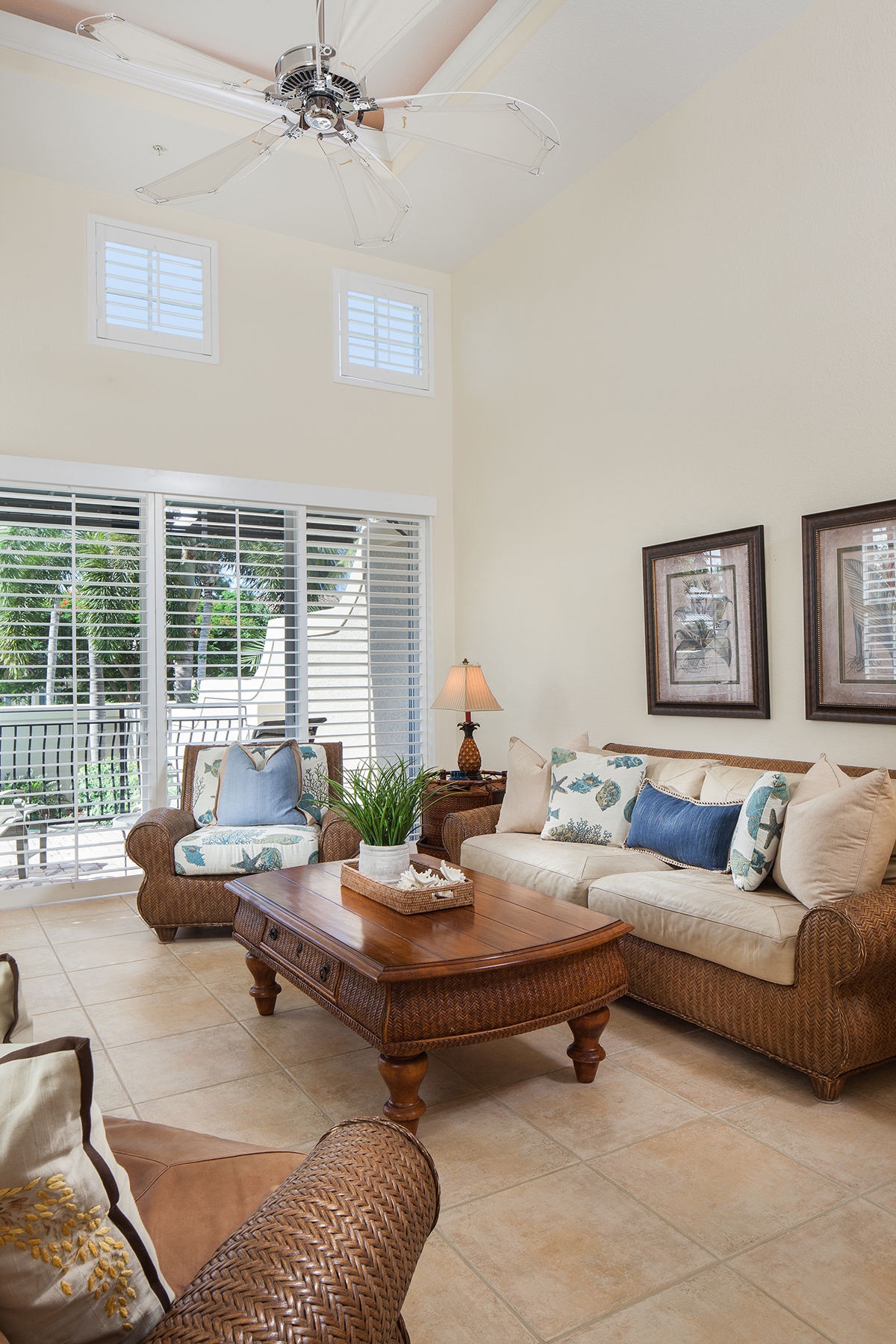 Property For Sale at 393 2nd Ave S, Naples, FL 34102