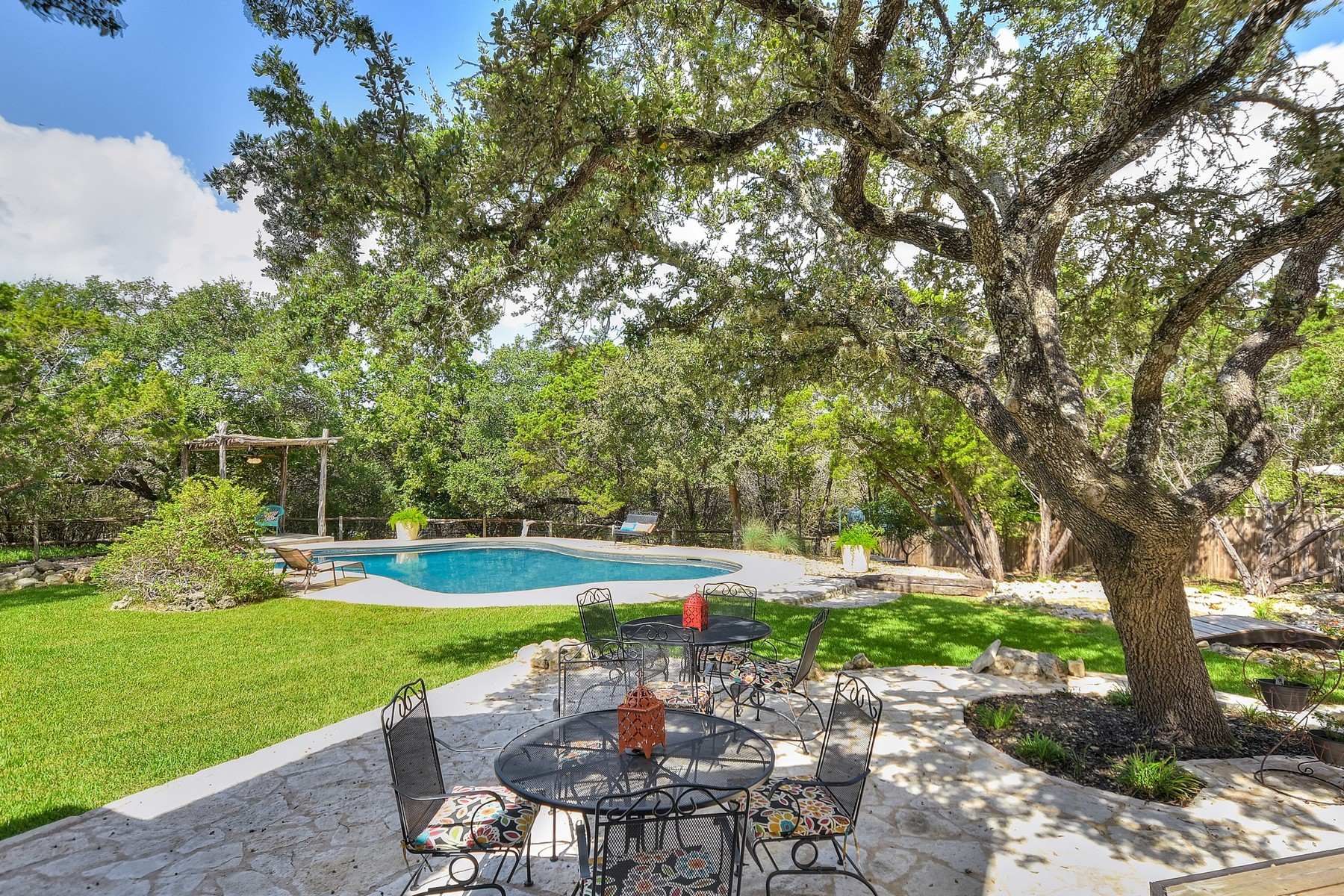 Additional photo for property listing at A Truly Texas Estate 109 Raley Rd Cedar Park, Texas 78613 Estados Unidos
