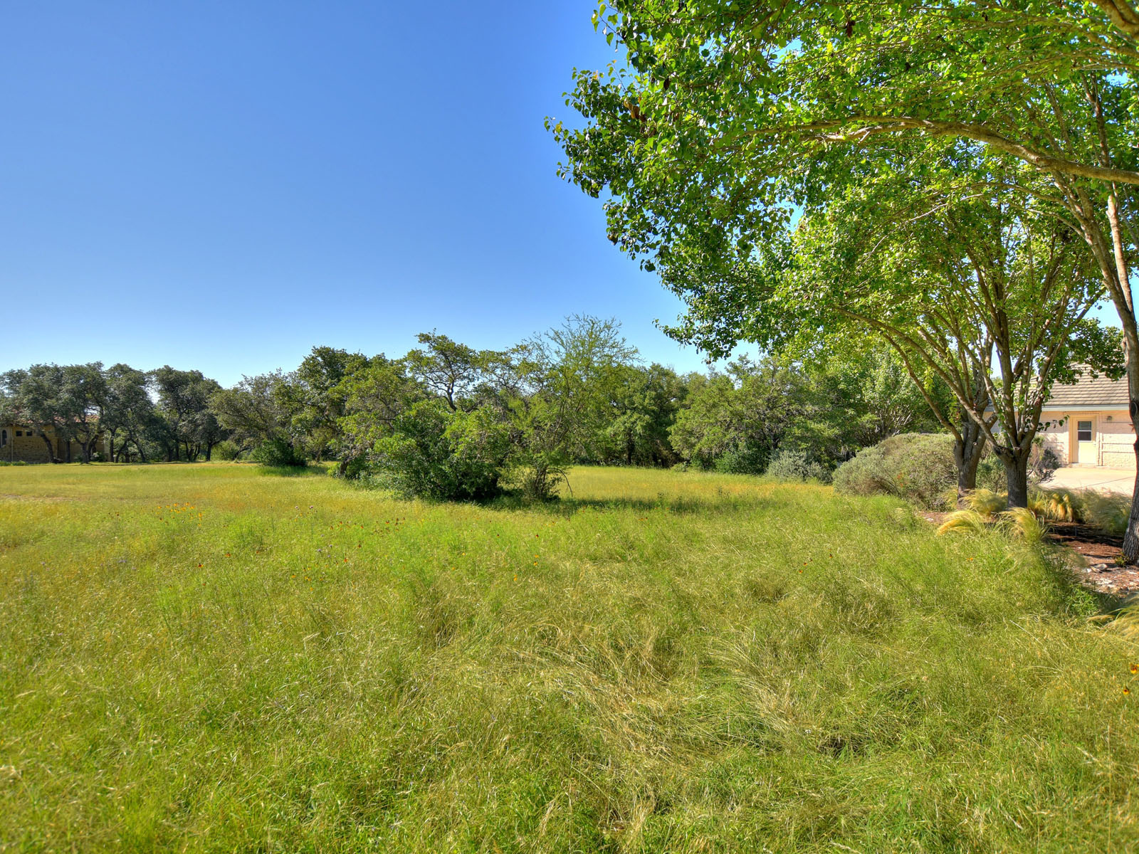 Additional photo for property listing at The Perfect Land for the Perfect Home 26205 Countryside Dr Spicewood, Texas 78669 Estados Unidos