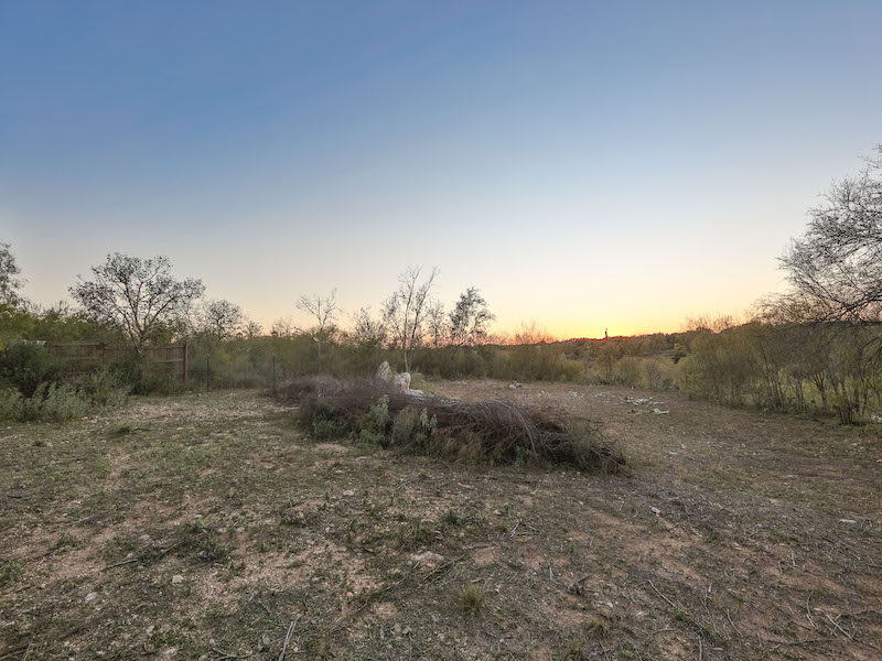 Additional photo for property listing at Amazing Lot with Panoramic Views 104 S Tower Dr San Antonio, Texas 78232 Estados Unidos