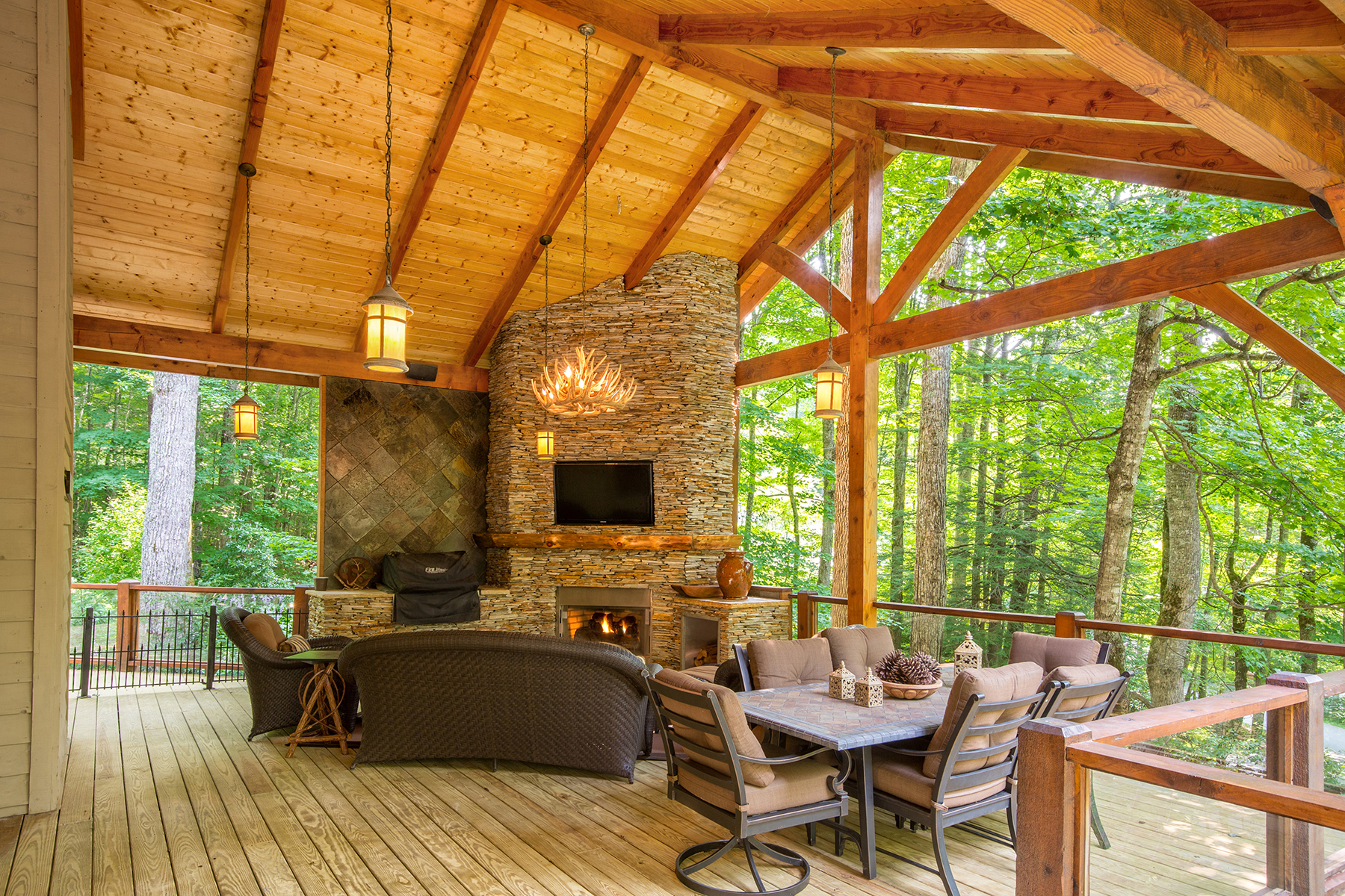 Maison unifamiliale pour l Vente à LINVILLE - LINVILLE RIDGE 108 Rock Ledge Lane Linville, Carolina Du Nord, 28646 États-Unis