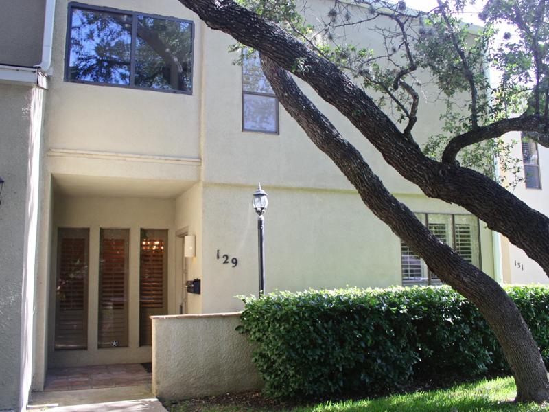 共管物業 為 出售 在 Beautiful Condo in AHISD 129 Brightwood Pl San Antonio, 德克薩斯州 78209 美國