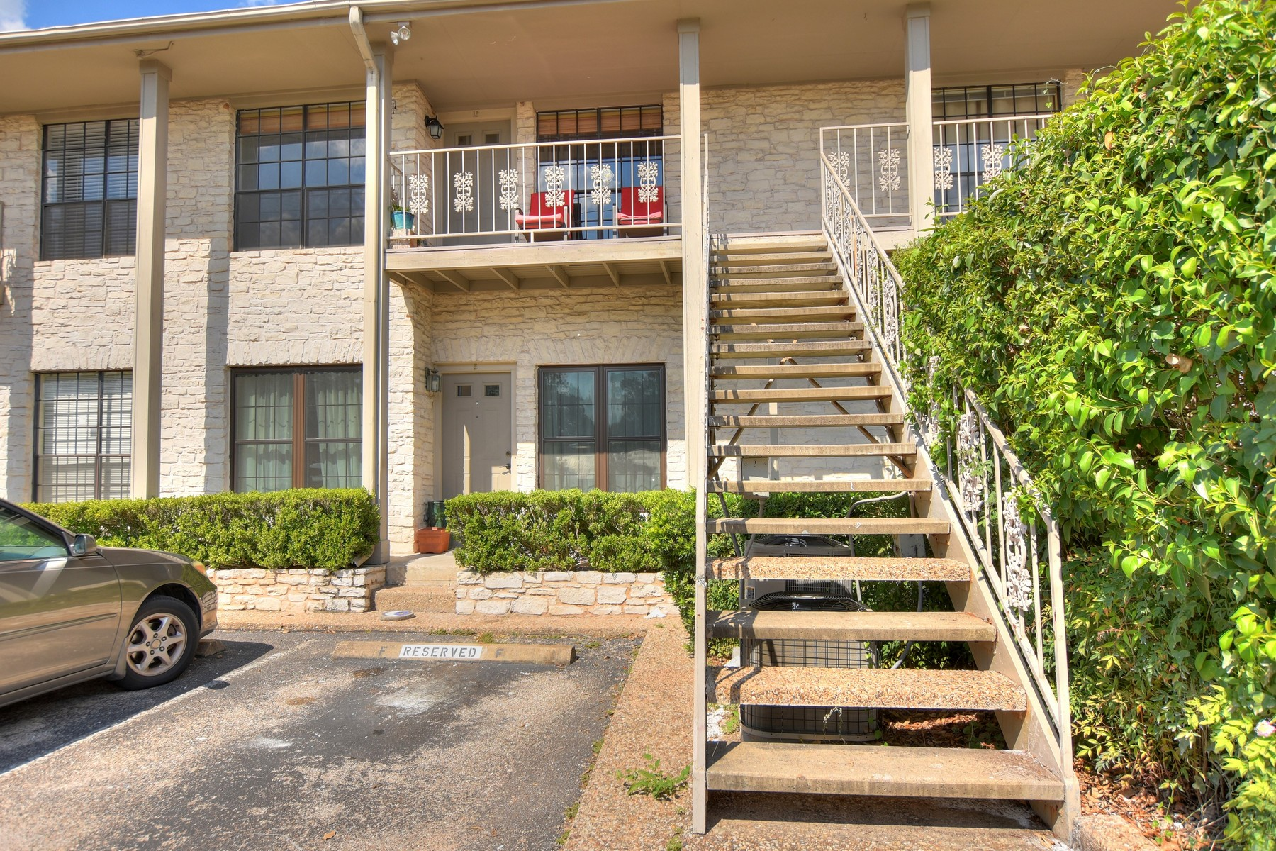 Condominio por un Venta en Renovated Condo in Clarksville 1610 Waterston Ave 12 Austin, Texas 78703 Estados Unidos