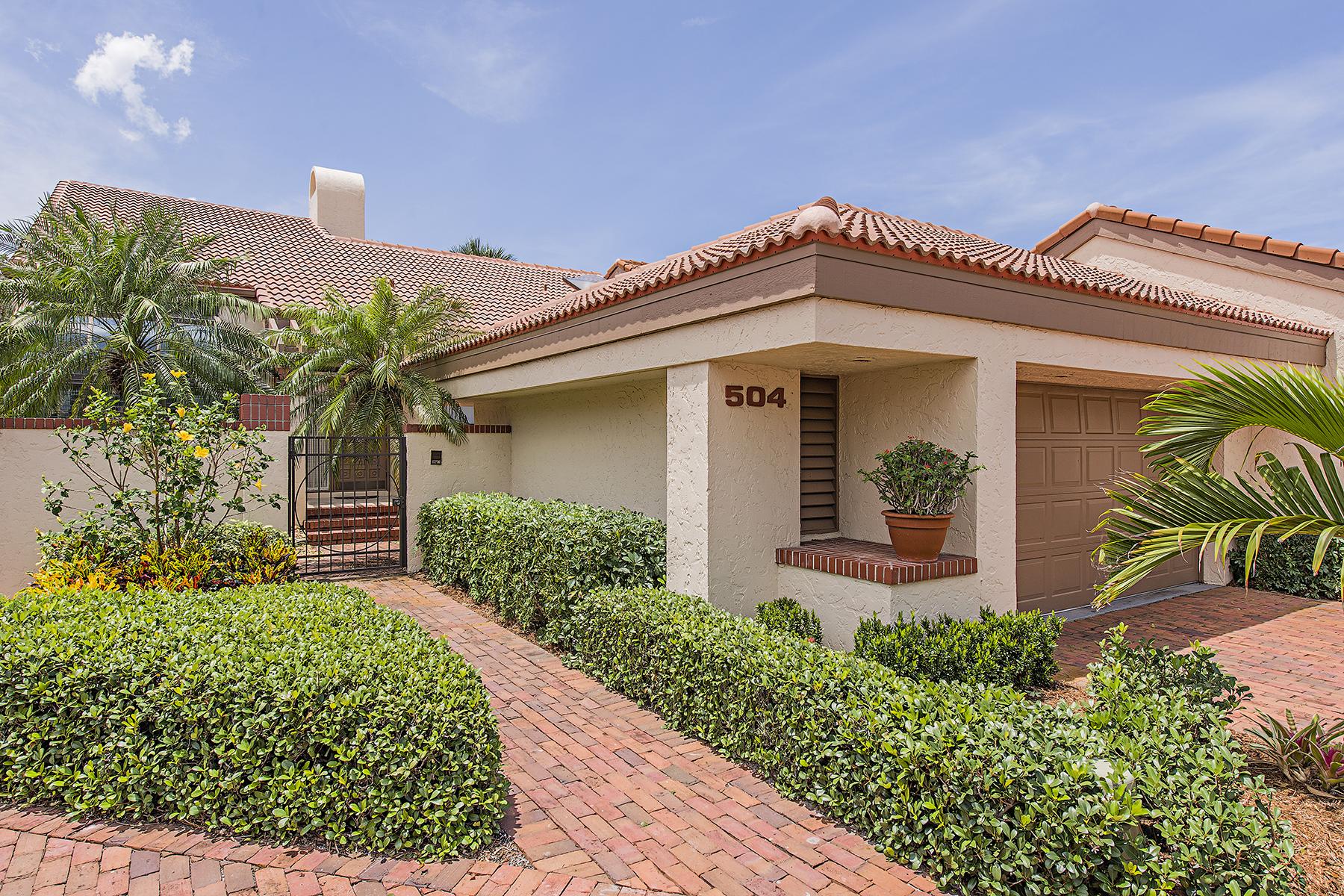 Maison de ville pour l Vente à 504 Bay Villas Ln , Naples, FL 34108-2804 504 Bay Villas Ln Naples, Florida 34108 États-Unis