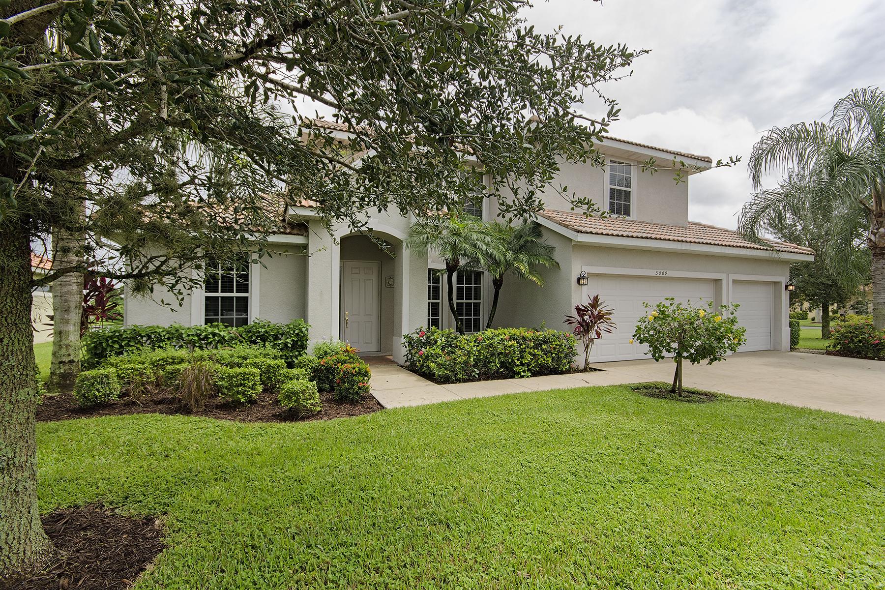 独户住宅 为 销售 在 MOON LAKE 5009 Old Pond Dr 那不勒斯, 佛罗里达州, 34104 美国