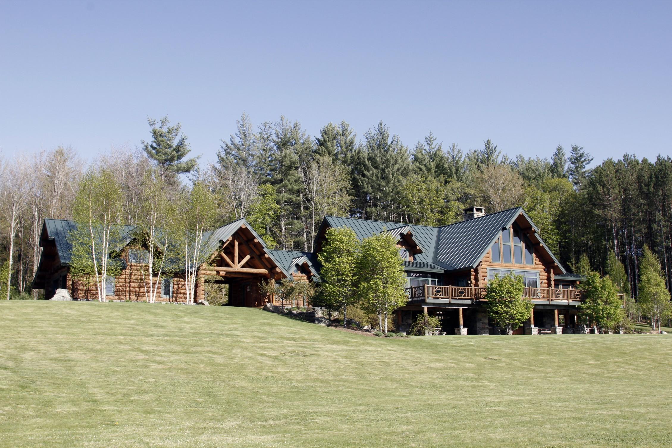 Maison unifamiliale pour l Vente à Handcrafted Montana 344 Cobble Ridge Rd Londonderry, Vermont, 05148 États-Unis