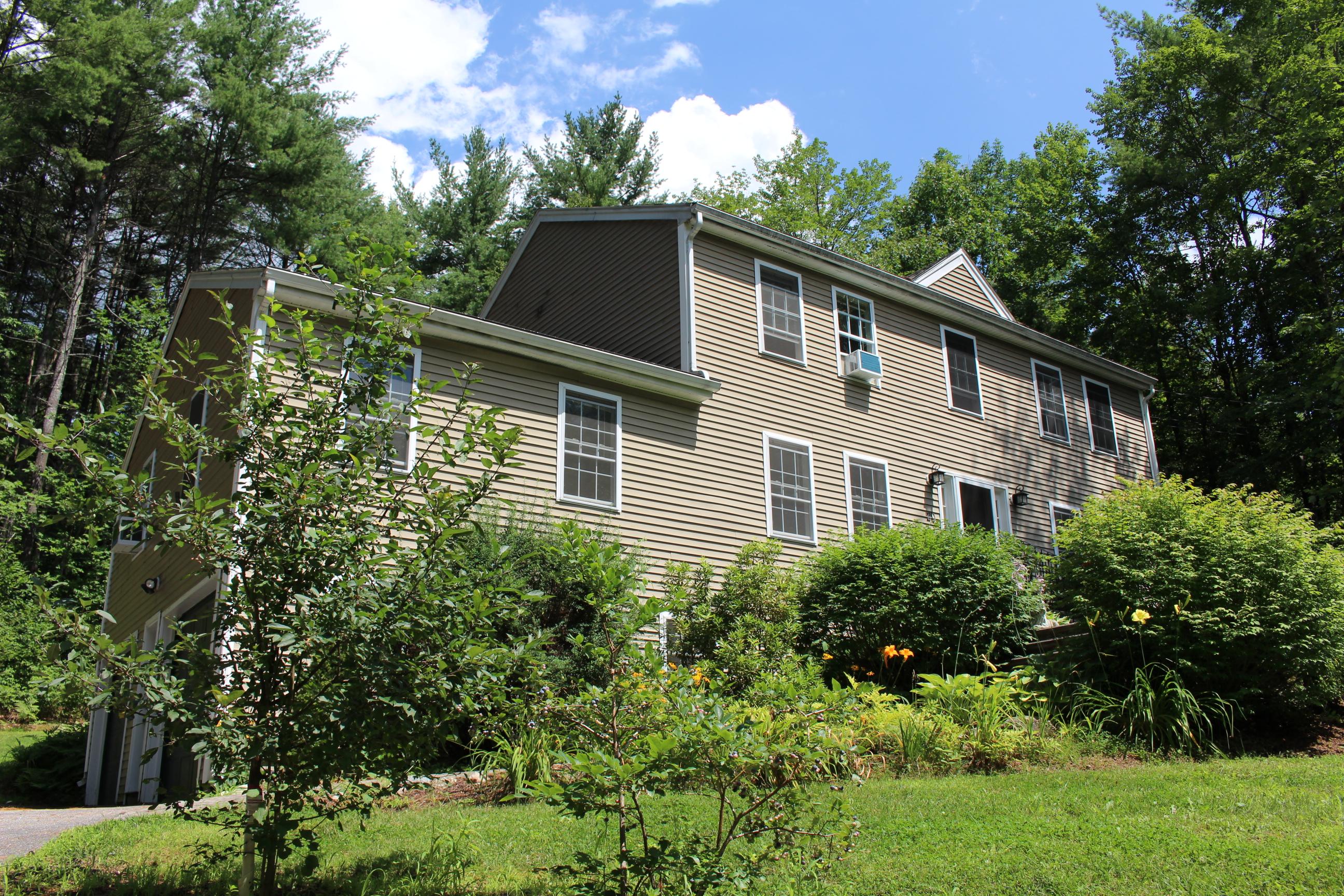Moradia para Venda às 20 Alpine Circle, Newbury Newbury, New Hampshire 03255 Estados Unidos