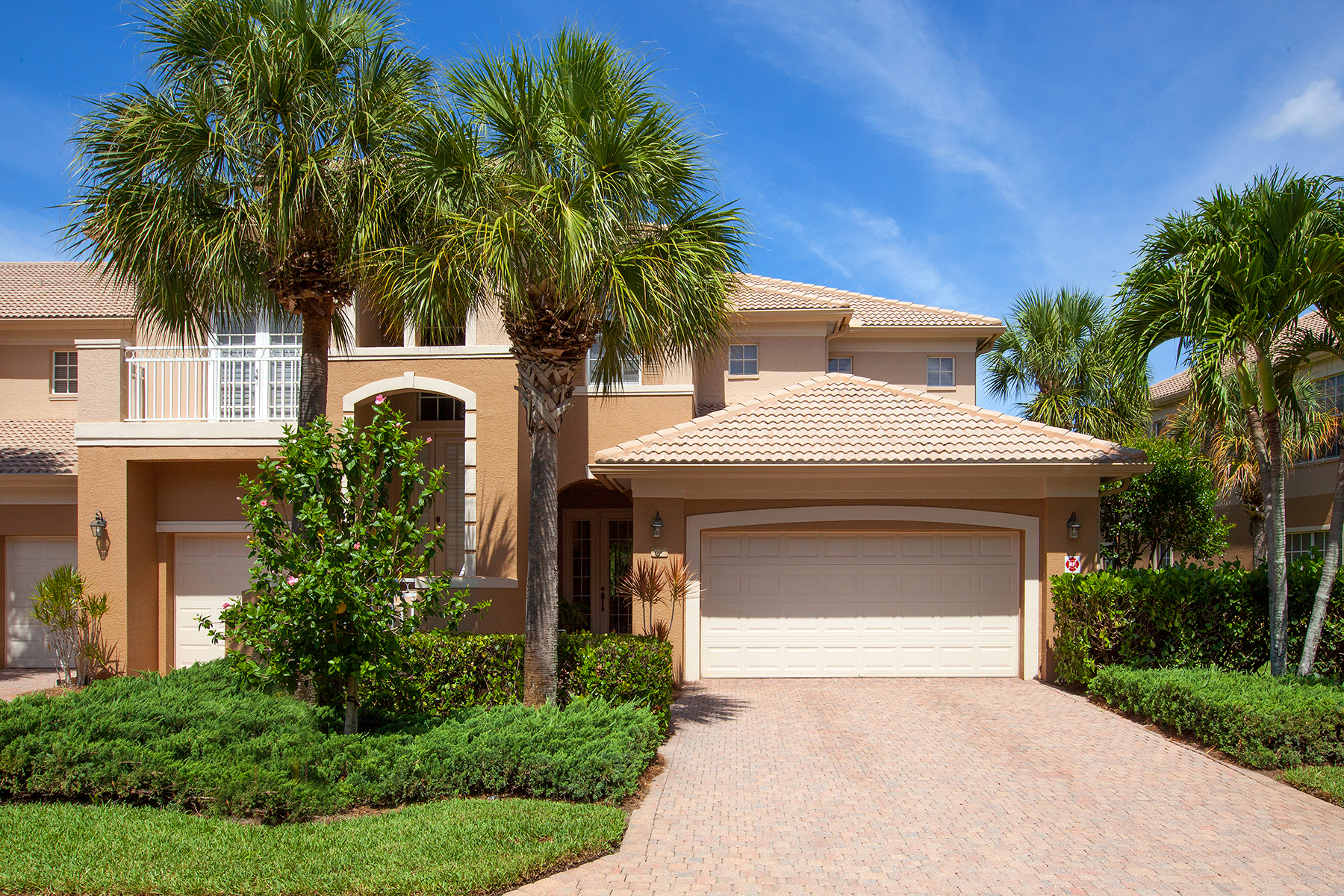 Appartement en copropriété pour l Vente à THE COLONY AT PELICAN BAY - MERANO 23810 Merano Ct 102 Bonita Springs, Florida 34134 États-Unis