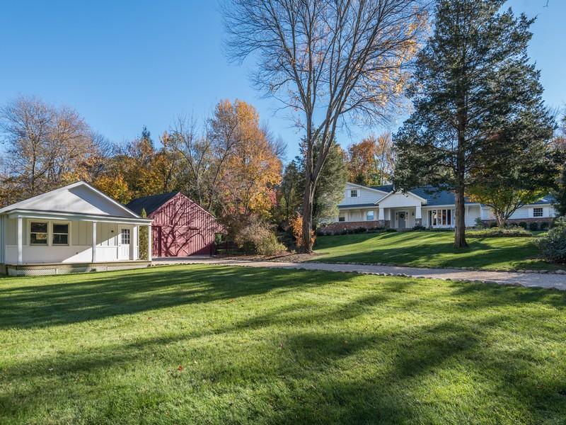 Villa per Vendita alle ore Farm Ranch 5 Pippin Ln Lloyd Harbor, New York, 11743 Stati Uniti