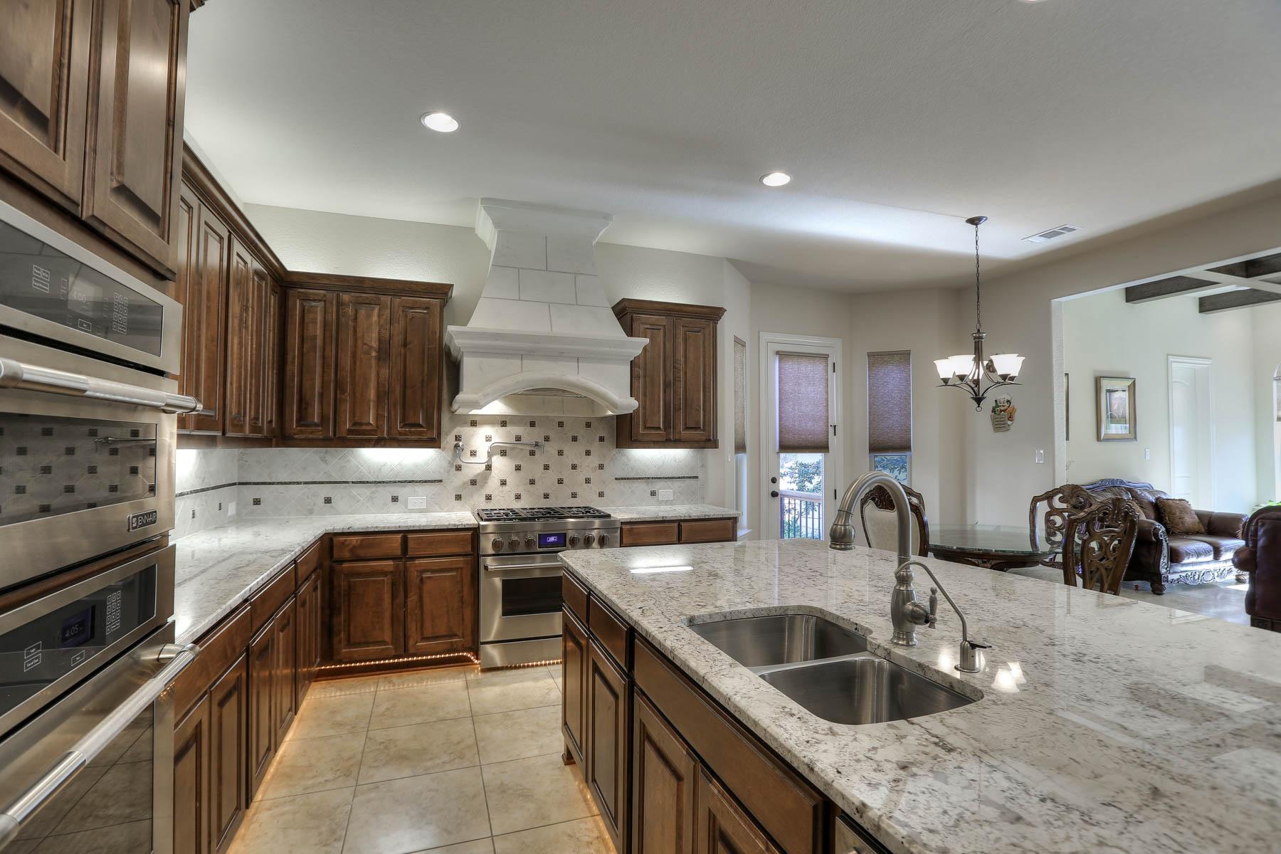 Additional photo for property listing at Magnificent Estate in The Dominion 6334 Granada Way San Antonio, Texas 78257 Estados Unidos