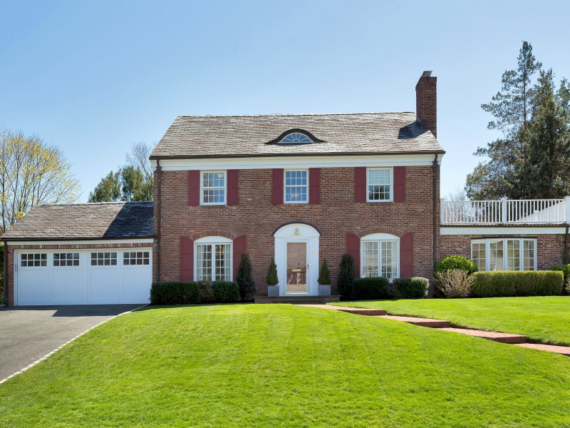 Villa per Vendita alle ore Colonial 46 Kensett Rd Manhasset, New York, 11030 Stati Uniti