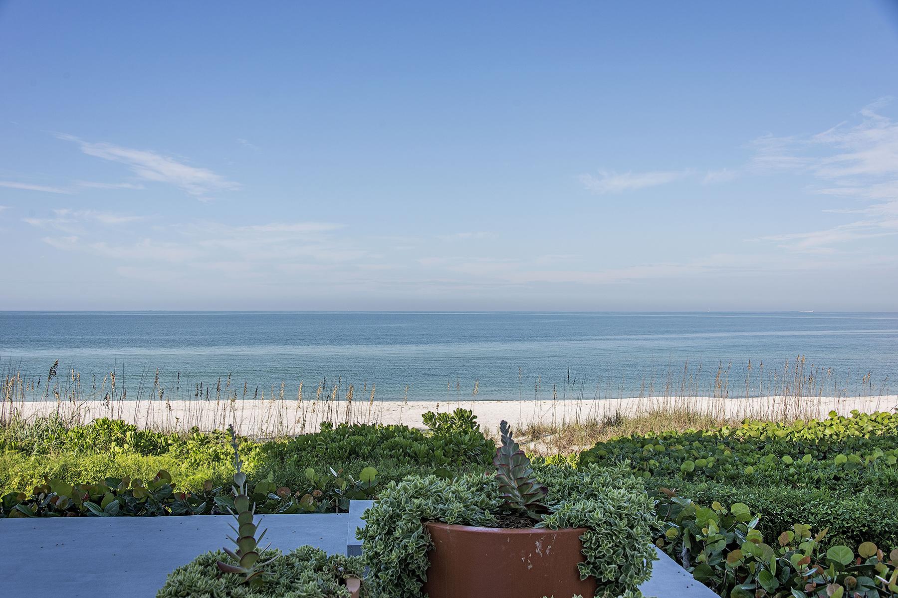 Кооперативная квартира для того Продажа на THE MOORINGS - THE MOORINGS 2919 Gulf Shore Blvd N 103 The Moorings, Naples, Флорида 34103 Соединенные Штаты
