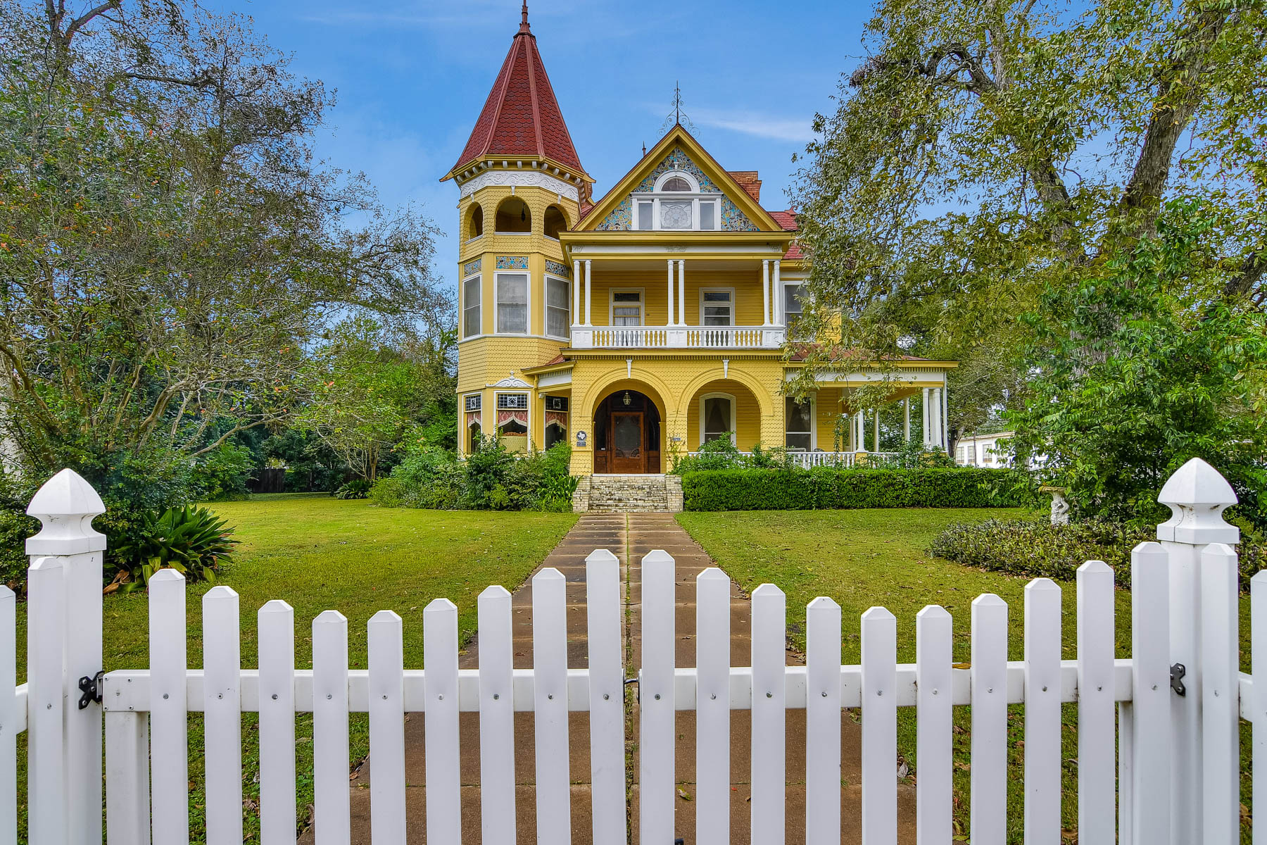 Single Family Home for Sale at Stunning Victorian Home in Gonzales 621 N St. Louis St Gonzales, Texas 78629 United States