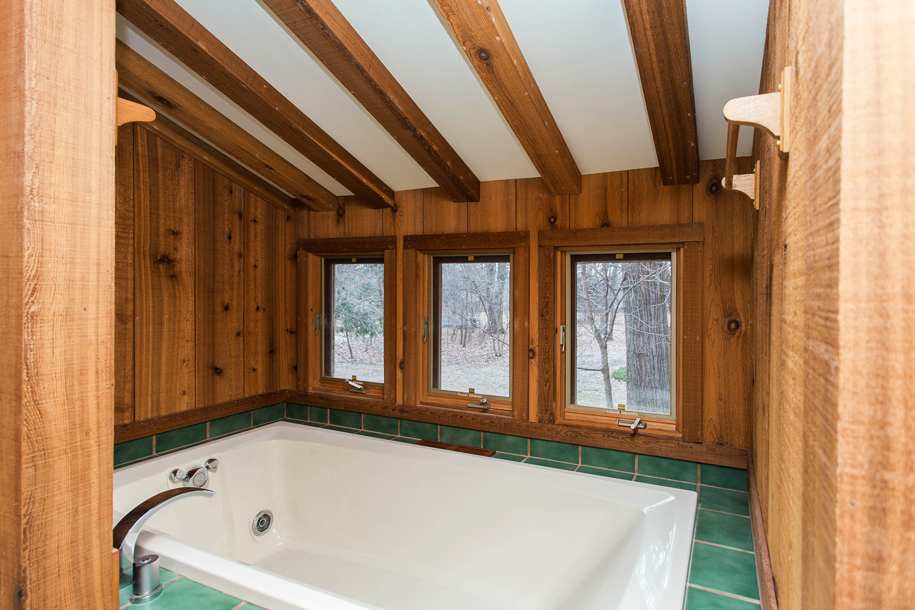Additional photo for property listing at Kinderhook Arts & Crafts Farmhouse 53  Broad Street Kinderhook, Нью-Йорк 12106 Соединенные Штаты