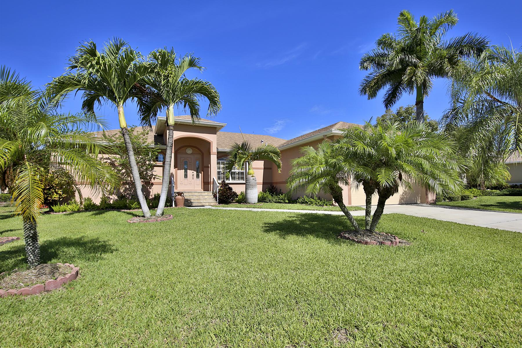 Vivienda unifamiliar por un Venta en MARCO ISLAND - CASTAWAYS STREET 264 Castaways St Marco Island, Florida 34145 Estados Unidos