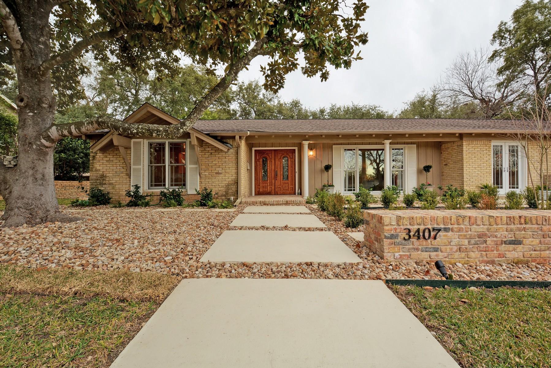 Nhà ở một gia đình vì Bán tại Sophisticated Ranch Style in Tarrytown 3407 Taylors Dr Tarrytown, Austin, Texas 78703 Hoa Kỳ