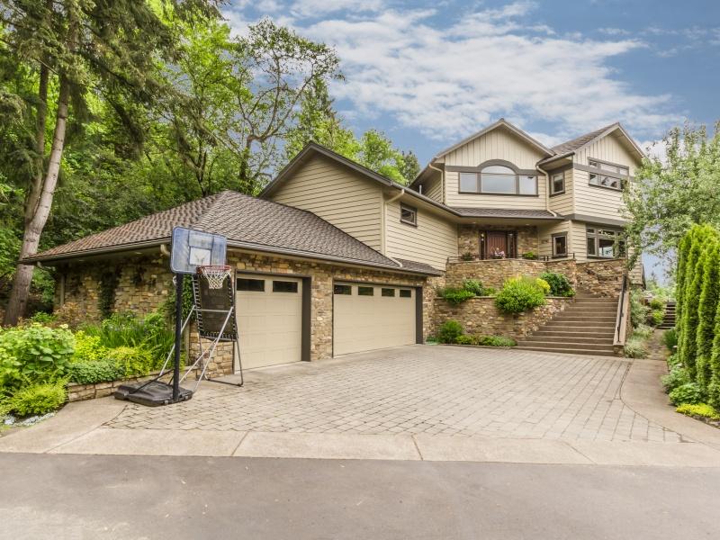 独户住宅 为 销售 在 12742 FIELDING RD, LAKE OSWEGO 奥斯威尔湖, 俄勒冈州, 97034 美国