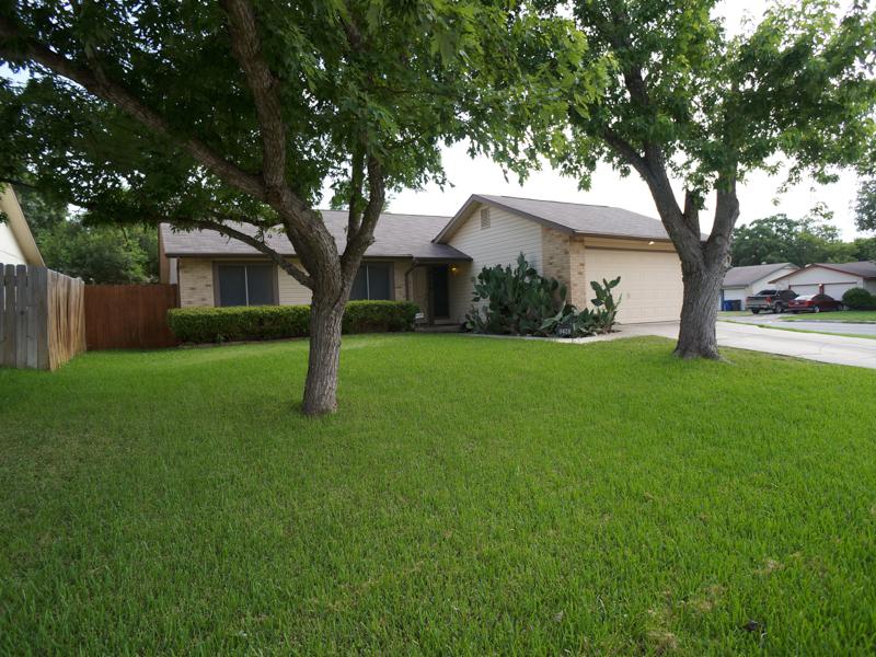 Autre Bien Résidentiel pour l Vente à Great Rental in New Territories 9478 Greens Pt San Antonio, Texas 78250 États-Unis