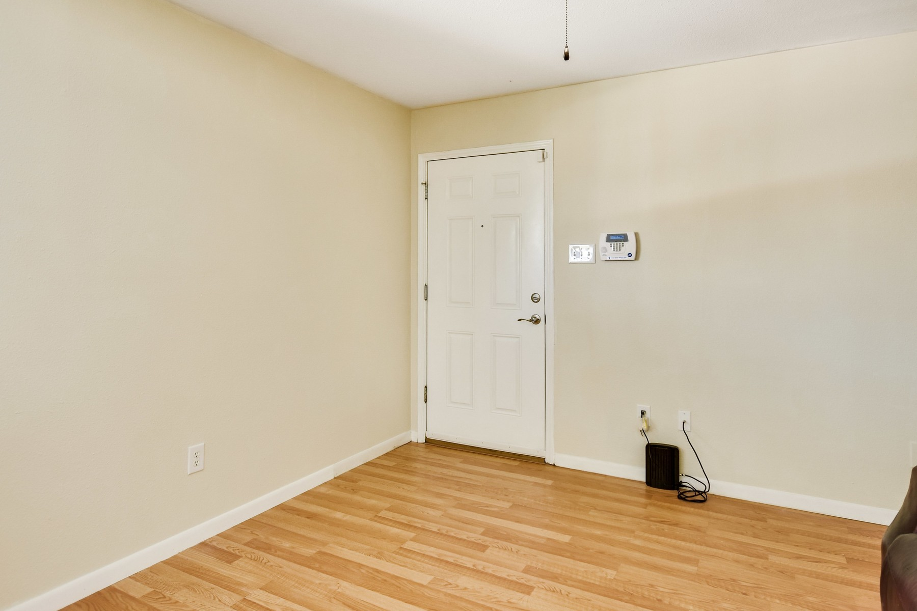 Additional photo for property listing at Amazing Condo in the Heart of North Shoal Creek 2450 Ashdale Dr 215 Austin, Texas 78757 Estados Unidos