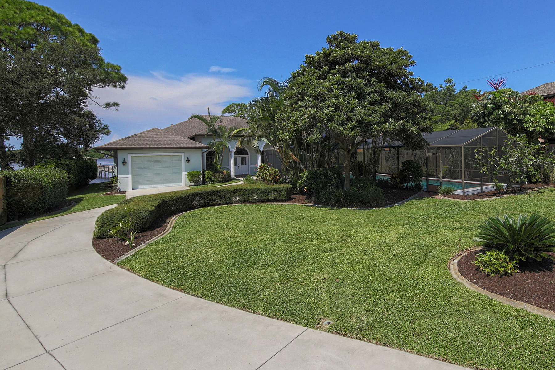 獨棟家庭住宅 為 出售 在 NOKOMIS 2315 Bayshore Rd Nokomis, 佛羅里達州 34275 美國