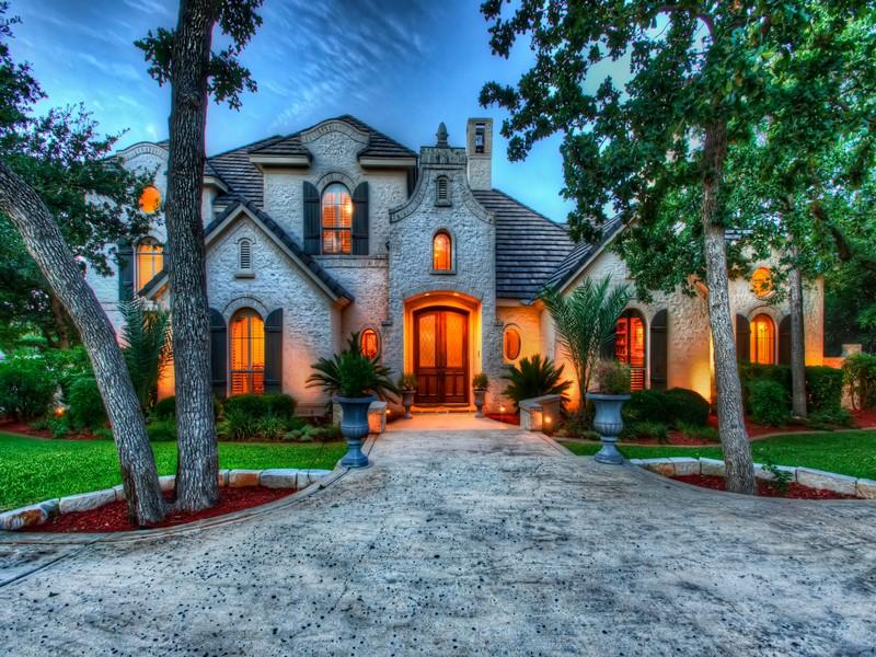 Nhà ở một gia đình vì Bán tại Stunning Shavano Park Home on a Greenbelt Lot 418 Bentley Manor Shavano Park, Texas 78249 Hoa Kỳ