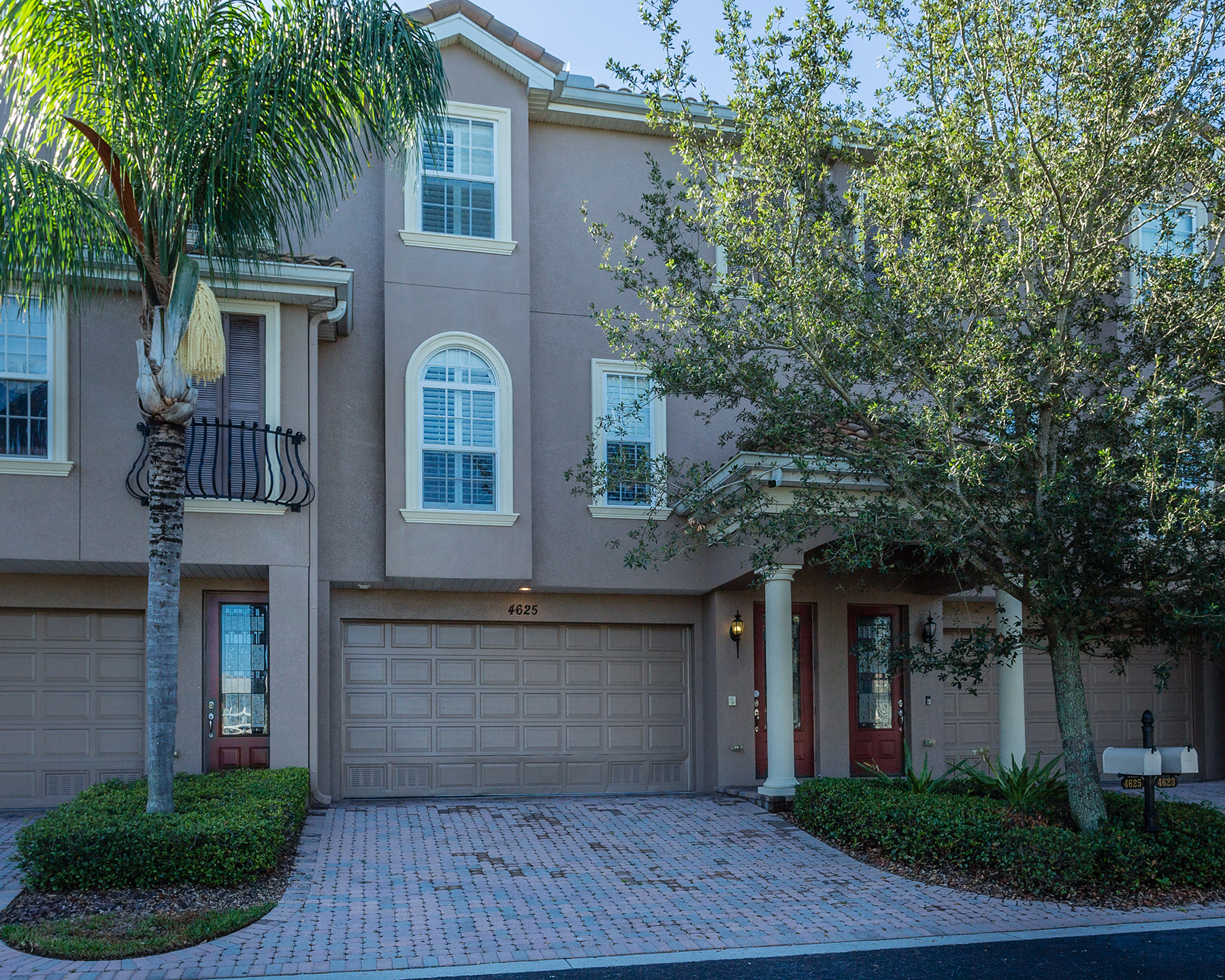 Townhouse for Sale at SHORE ACRES 4625 Overlook Dr NE St. Petersburg, Florida, 33703 United States