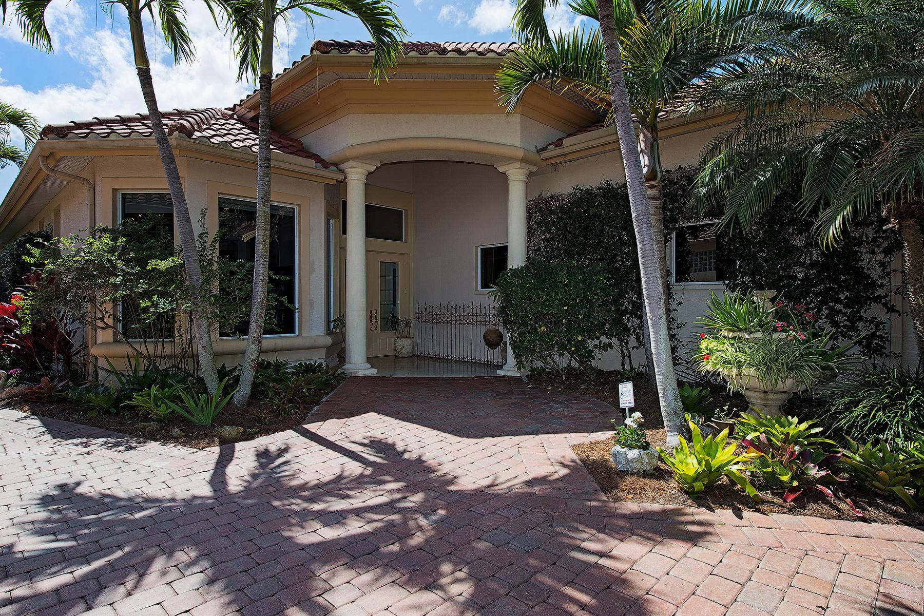 Casa para uma família para Venda às PELICAN MARSH-PORTOFINO 1450 Via Portofino Naples, Florida 34108 Estados Unidos