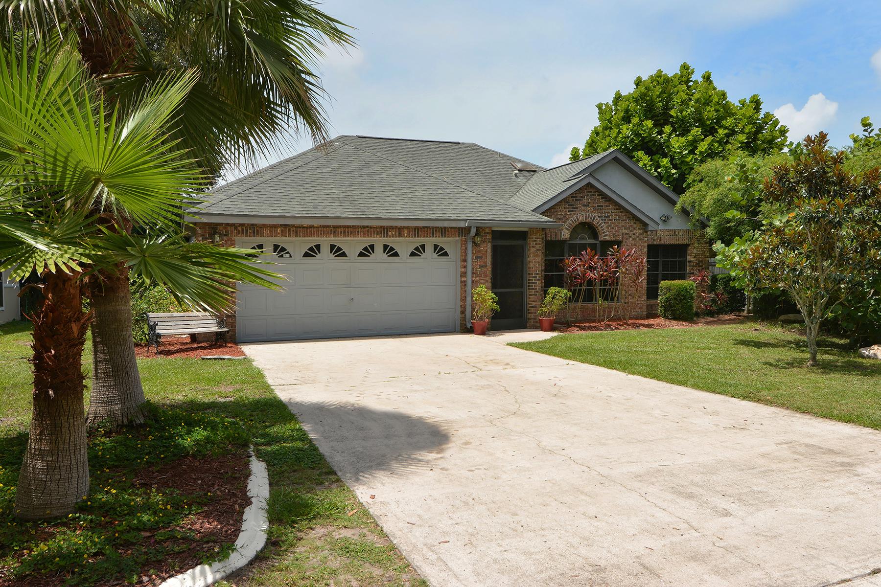 Casa para uma família para Venda às COUNTRY OAKS 4916 81st Avenue Terr E Sarasota, Florida 34243 Estados Unidos