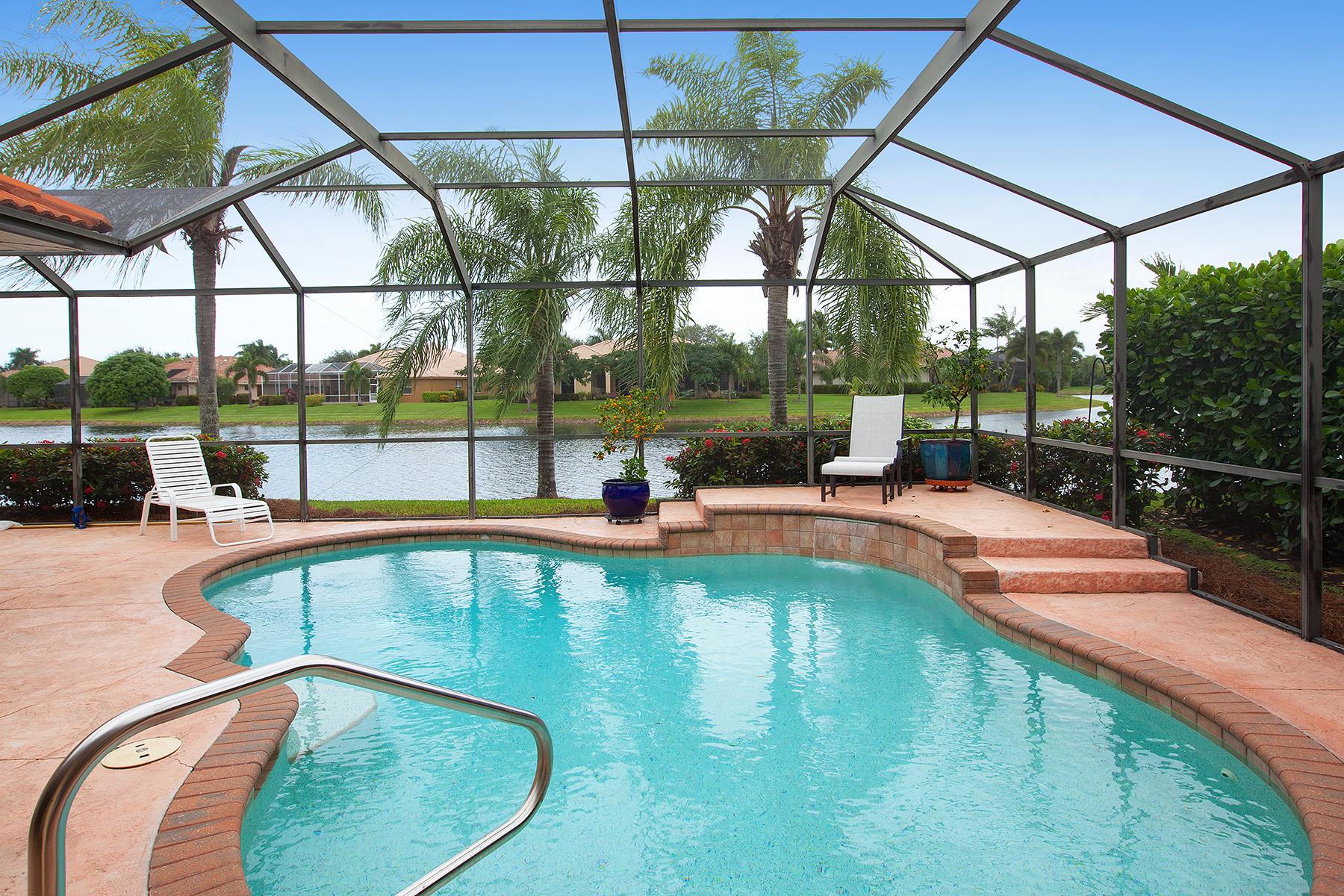 Casa para uma família para Venda às LONGSHORE LAKE 4332 Longshore Way S Naples, Florida 34119 Estados Unidos