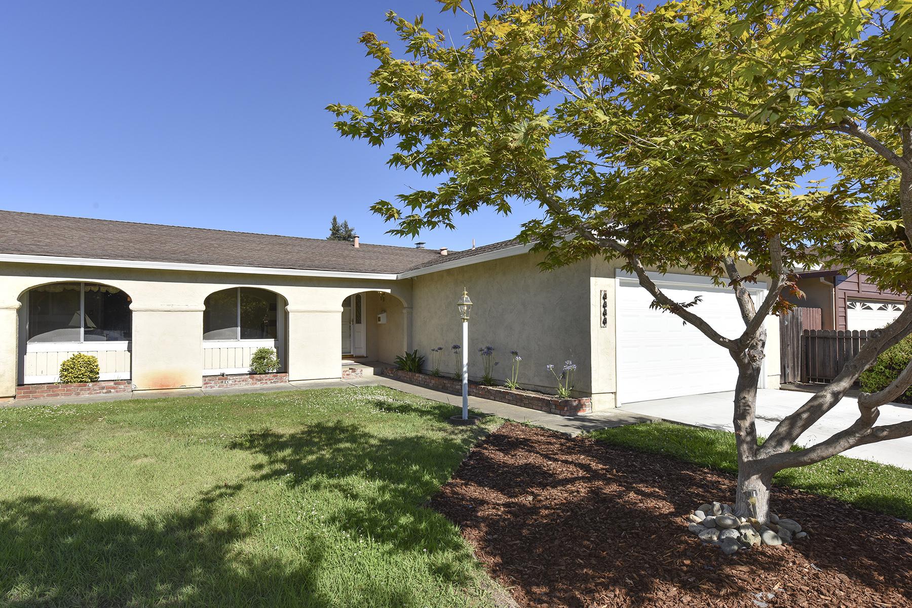 Nhà ở một gia đình vì Bán tại 4444 Moffitt Dr, Napa, CA 94558 4444 Moffitt Dr Napa, California, 94558 Hoa Kỳ