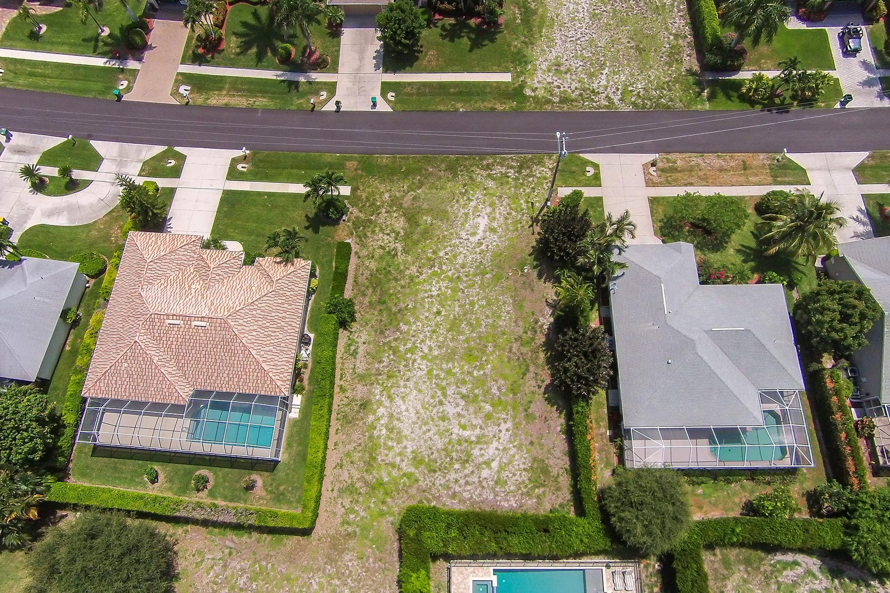 Terrain pour l Vente à MARCO ISLAND 144 Balfour Dr Marco Island, Florida 34145 États-Unis