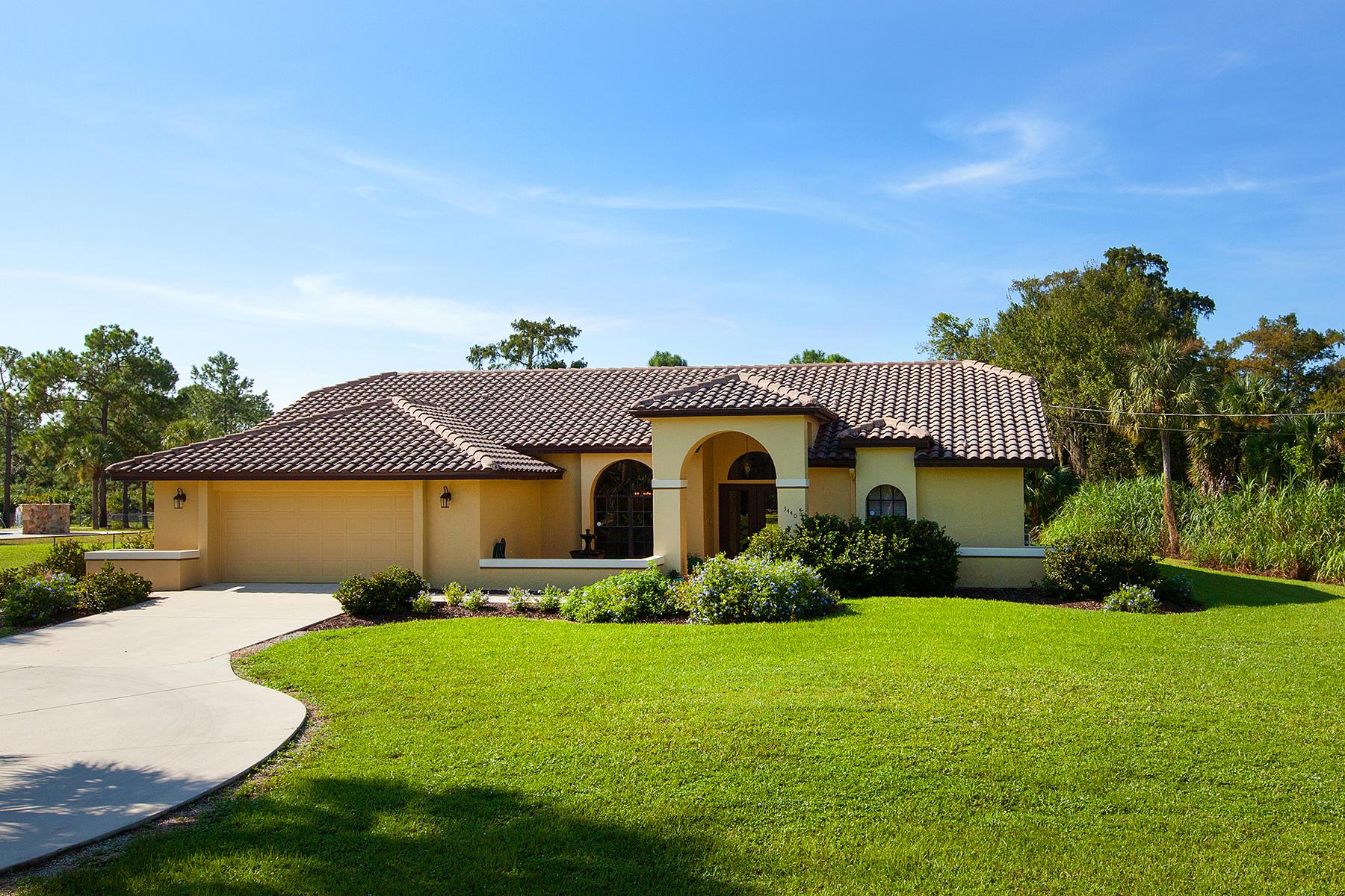 Nhà ở một gia đình vì Bán tại NAPLES - GOLDEN GATE ESTATES 3440 7th Ave SW Naples, Florida 34117 Hoa Kỳ