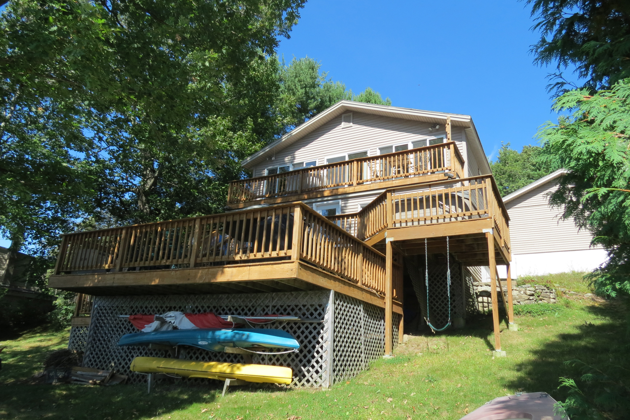 Single Family Home for Sale at Commuter's Dream - Northwood Lake Waterfront 1585 1st Nh Tpke Northwood, New Hampshire, 03261 United States