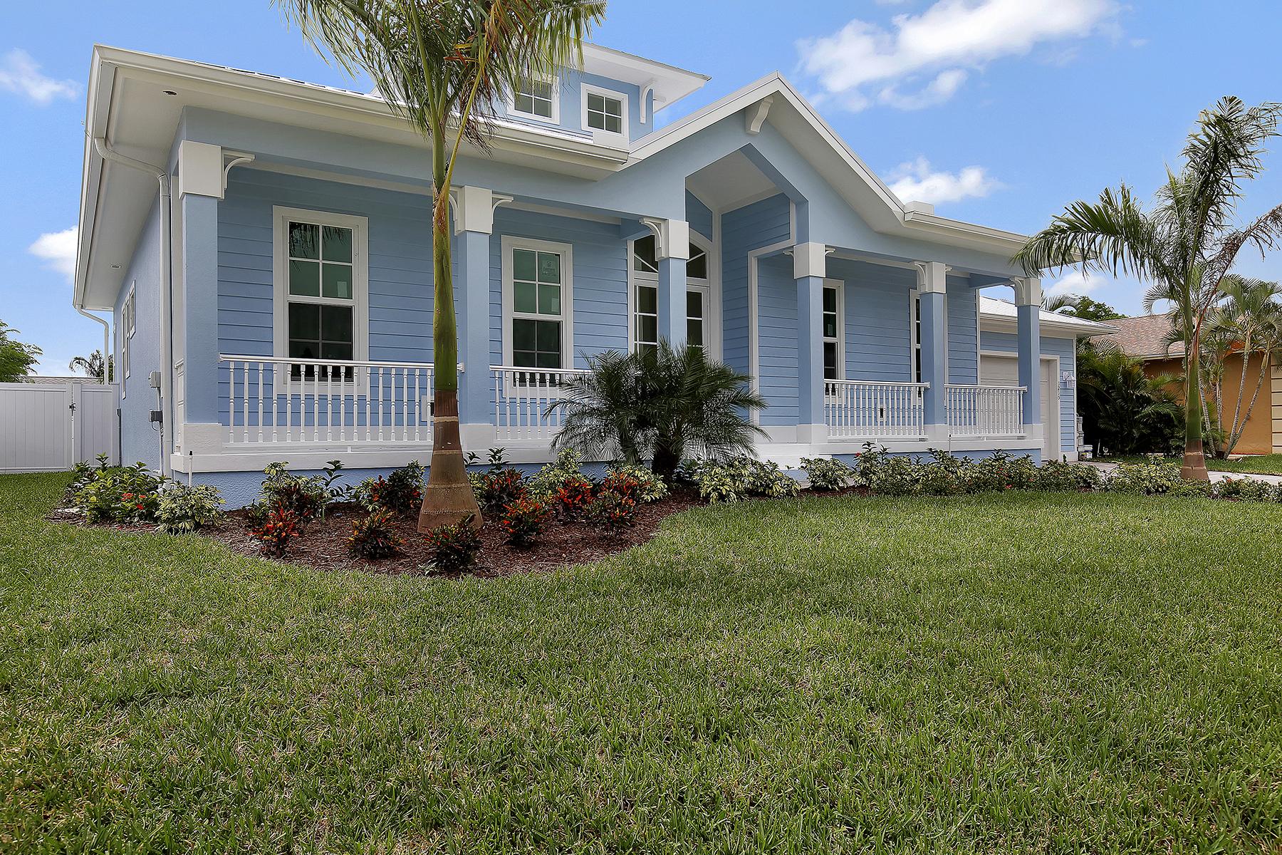 Nhà ở một gia đình vì Bán tại MARCO ISLAN D- 6TH AVENUE 1215 6th Ave Marco Island, Florida 34145 Hoa Kỳ
