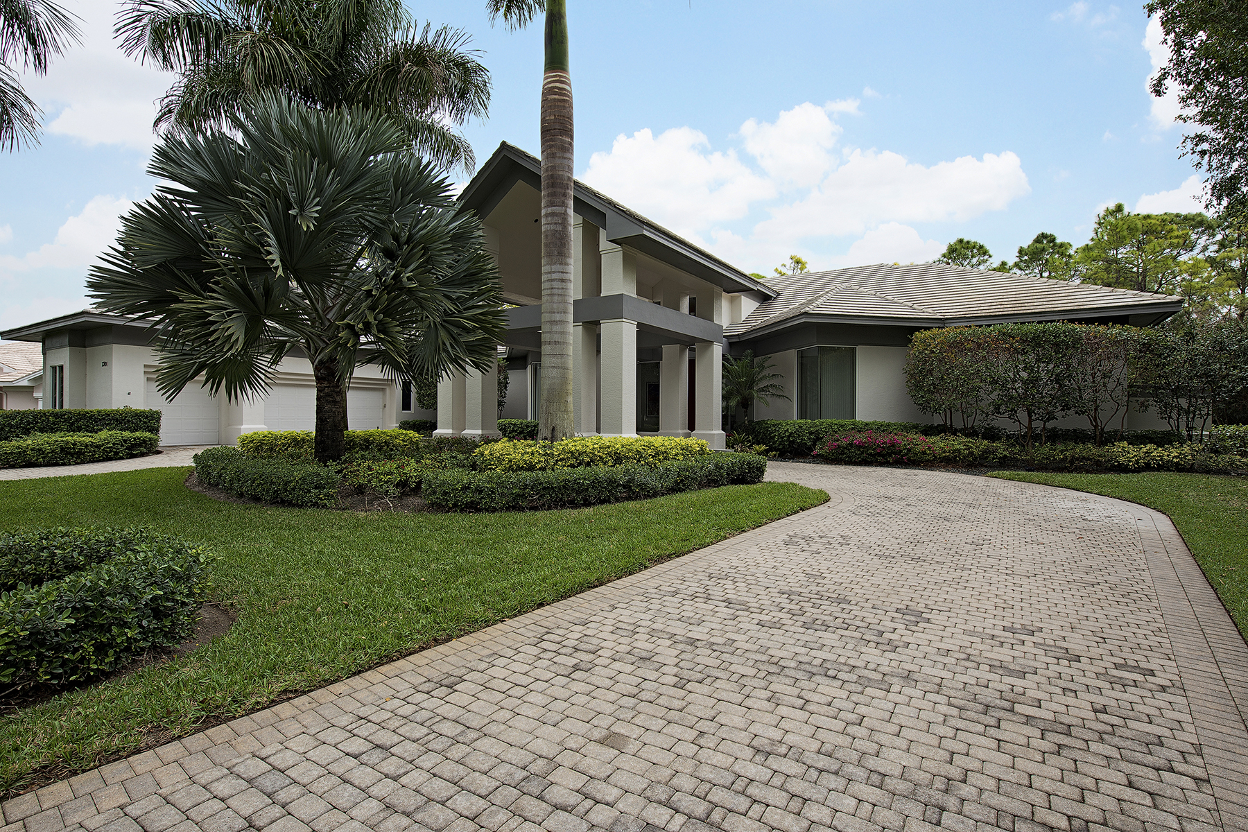 Single Family Home for Sale at 2701 Buckthorn Way , Naples, FL 34105 2701 Buckthorn Way Naples, Florida 34105 United States