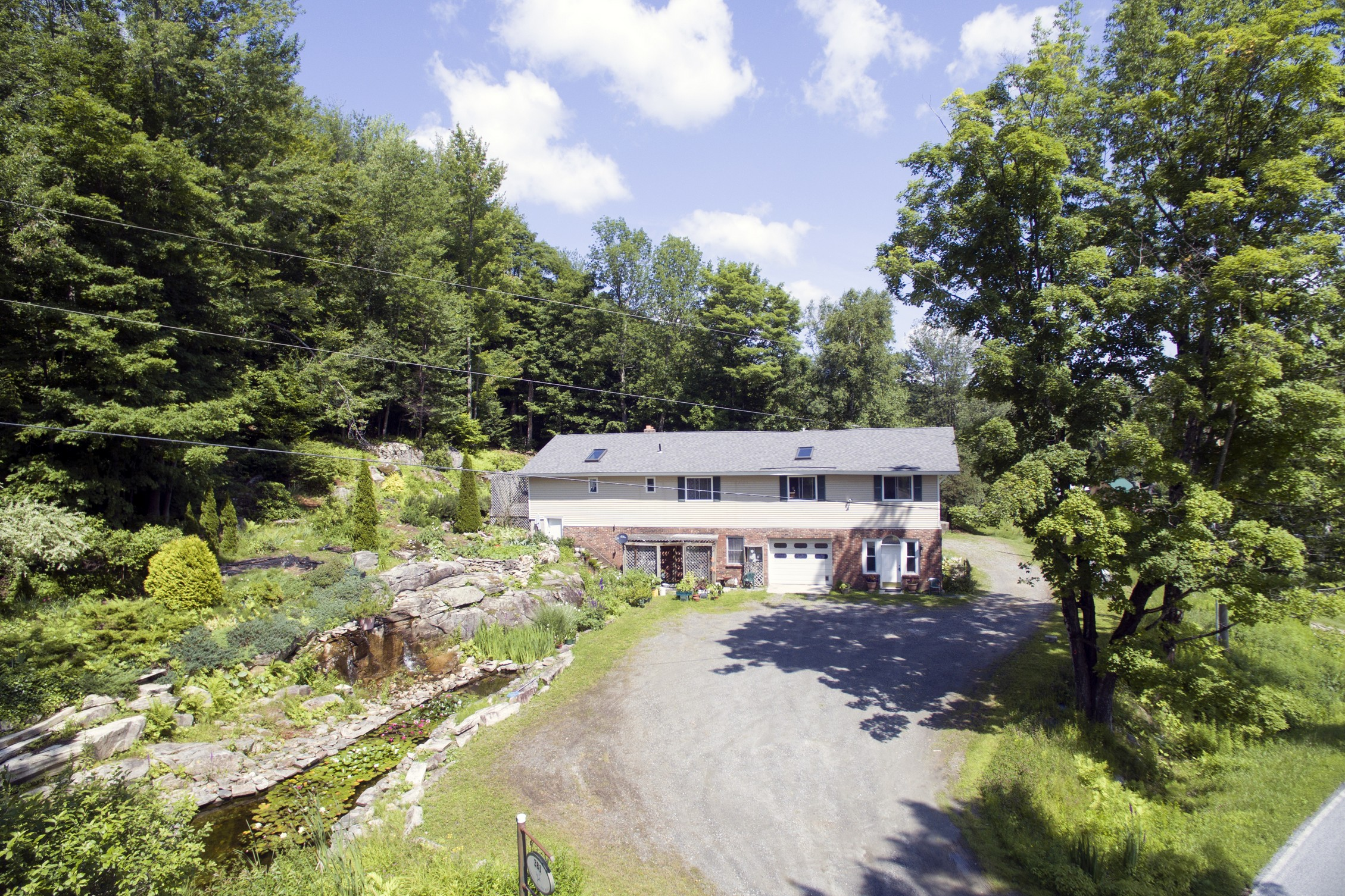 Single Family Home for Sale at 381 Winhall Hollow Road, Winhall 381 Winhall Hollow Rd Winhall, Vermont, 05340 United States