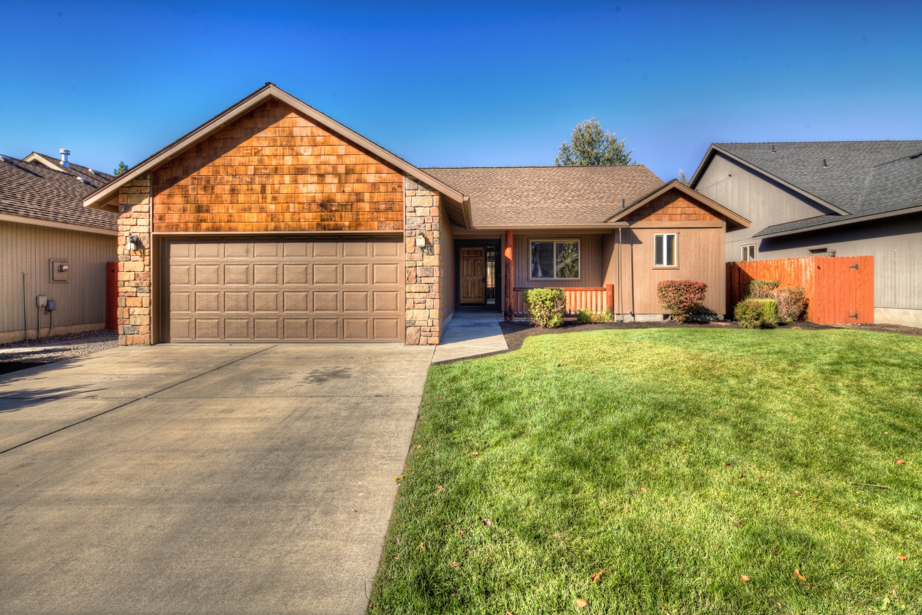 Property For Sale at Wonderful Home & Neighborhood!
