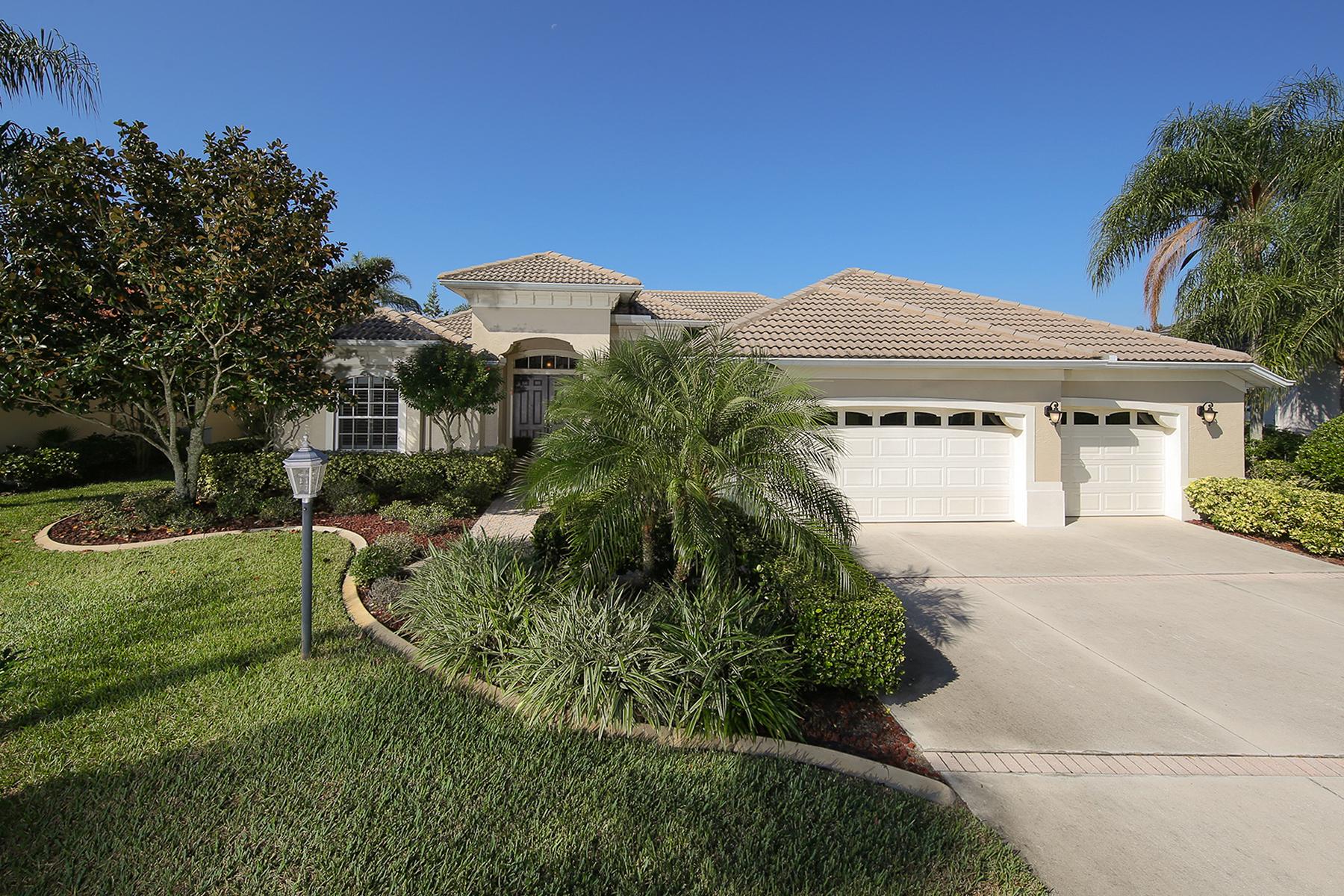 独户住宅 为 销售 在 LAKEWOOD RANCH COUNTRY CLUB 7019 Twin Hills Terr 莱克伍德牧场, 佛罗里达州 34202 美国