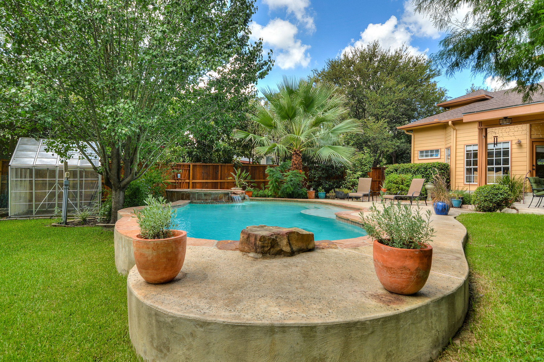 Additional photo for property listing at Private Oasis in Bluffview Greens 14 Greens Whisper San Antonio, Texas 78216 Estados Unidos