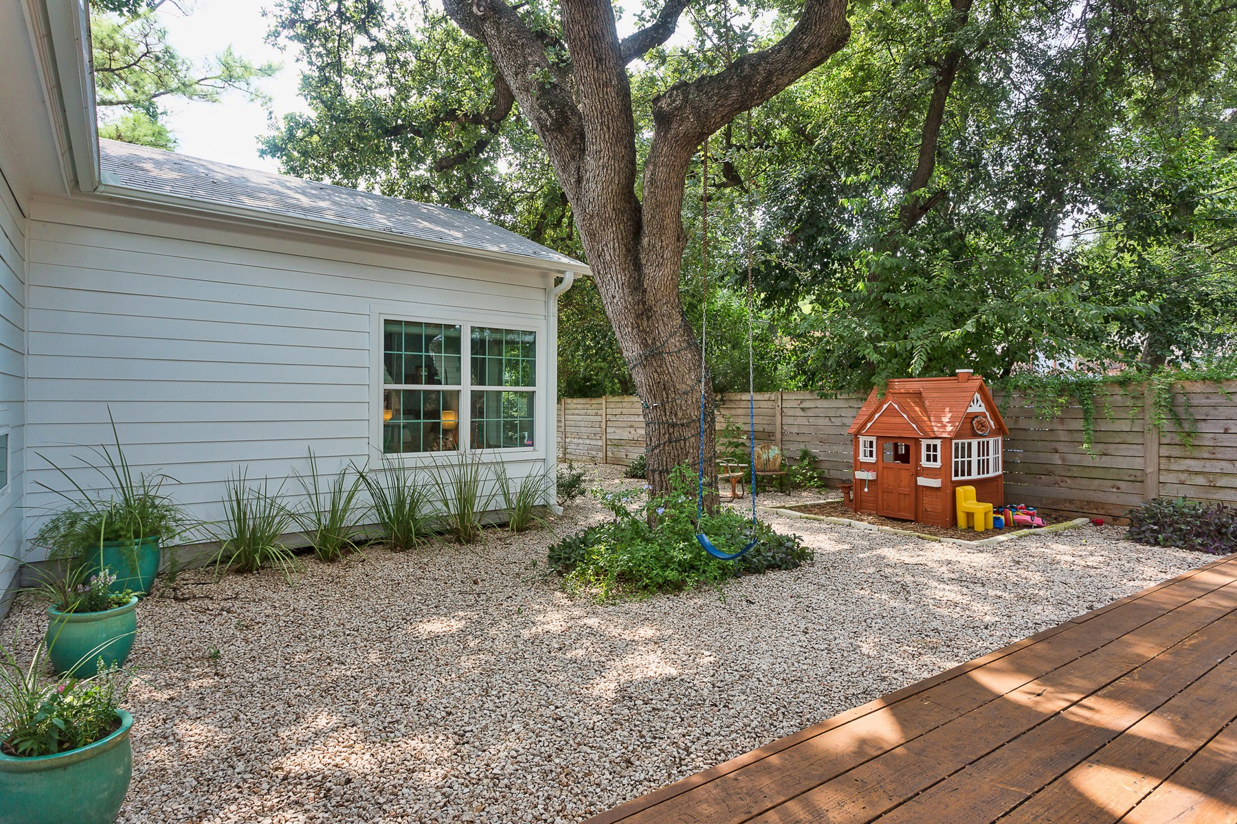 Additional photo for property listing at Amazingly Remodeled Home in French Place 3103 French Pl Austin, Texas 78722 Estados Unidos