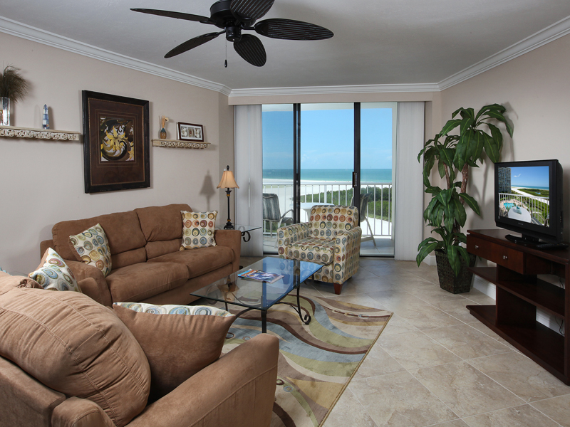 共管式独立产权公寓 为 销售 在 MARCO ISLAND - SOUTH SEAS TOWER IV 440 Seaview Ct 704 Marco Island, 佛罗里达州 34145 美国