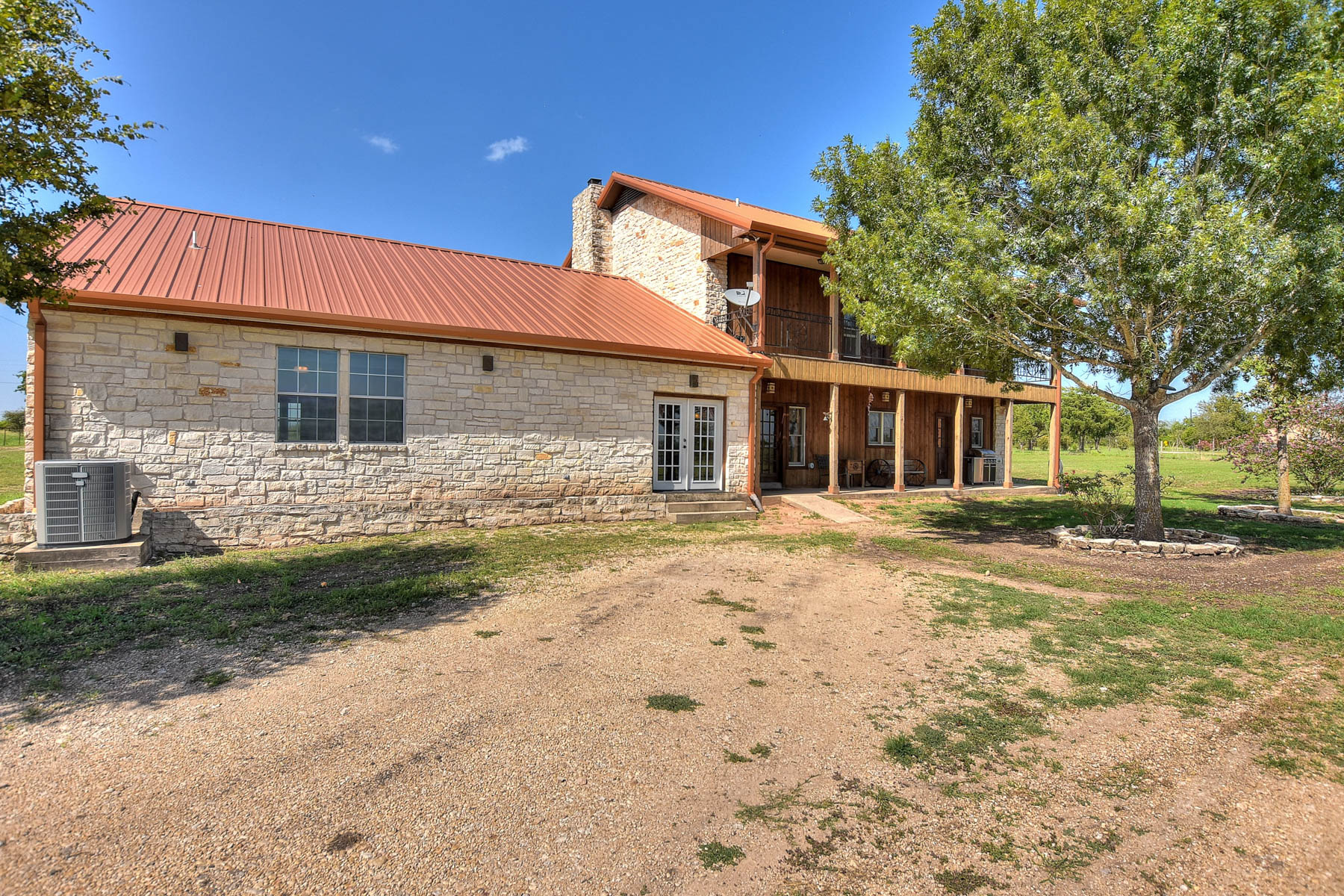 Additional photo for property listing at Fantastic Opportunity in Kyle 2553 Rocky Rd Kyle, Texas 78640 Estados Unidos